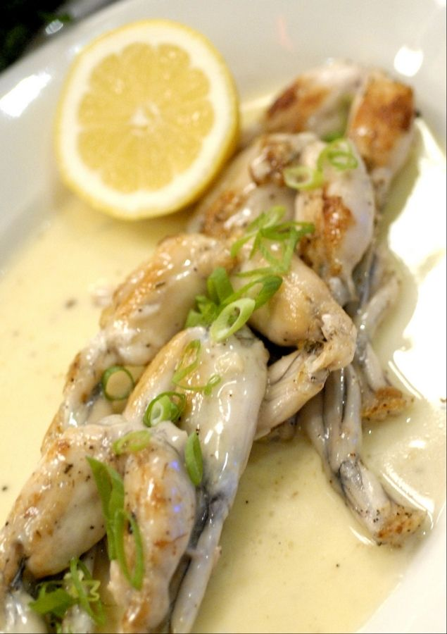 Frog legs in garlic sauce, Hugo's Frog Bar & Chophouse