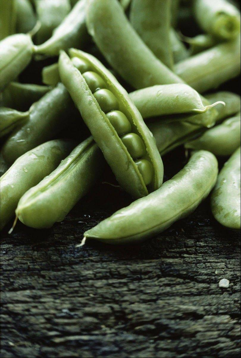 Cooking peas can be a snap, and there are tons of recipes out there that incorporate the nutritious little orbs.