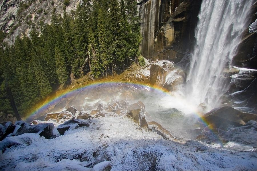 Search for memorable photo ends in death at Yosemite falls