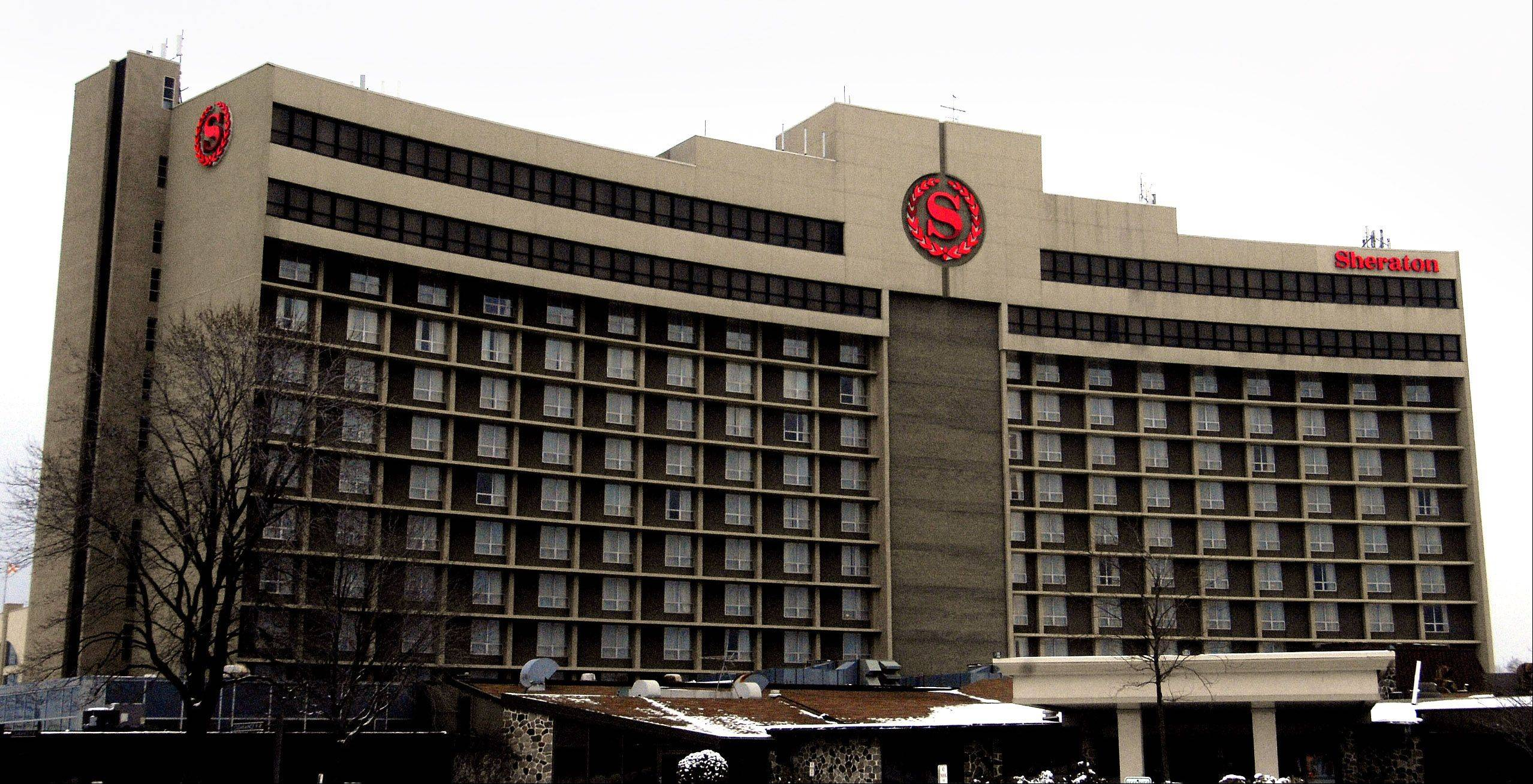 The Sheraton Chicago Northwest when it closed in December 2009.