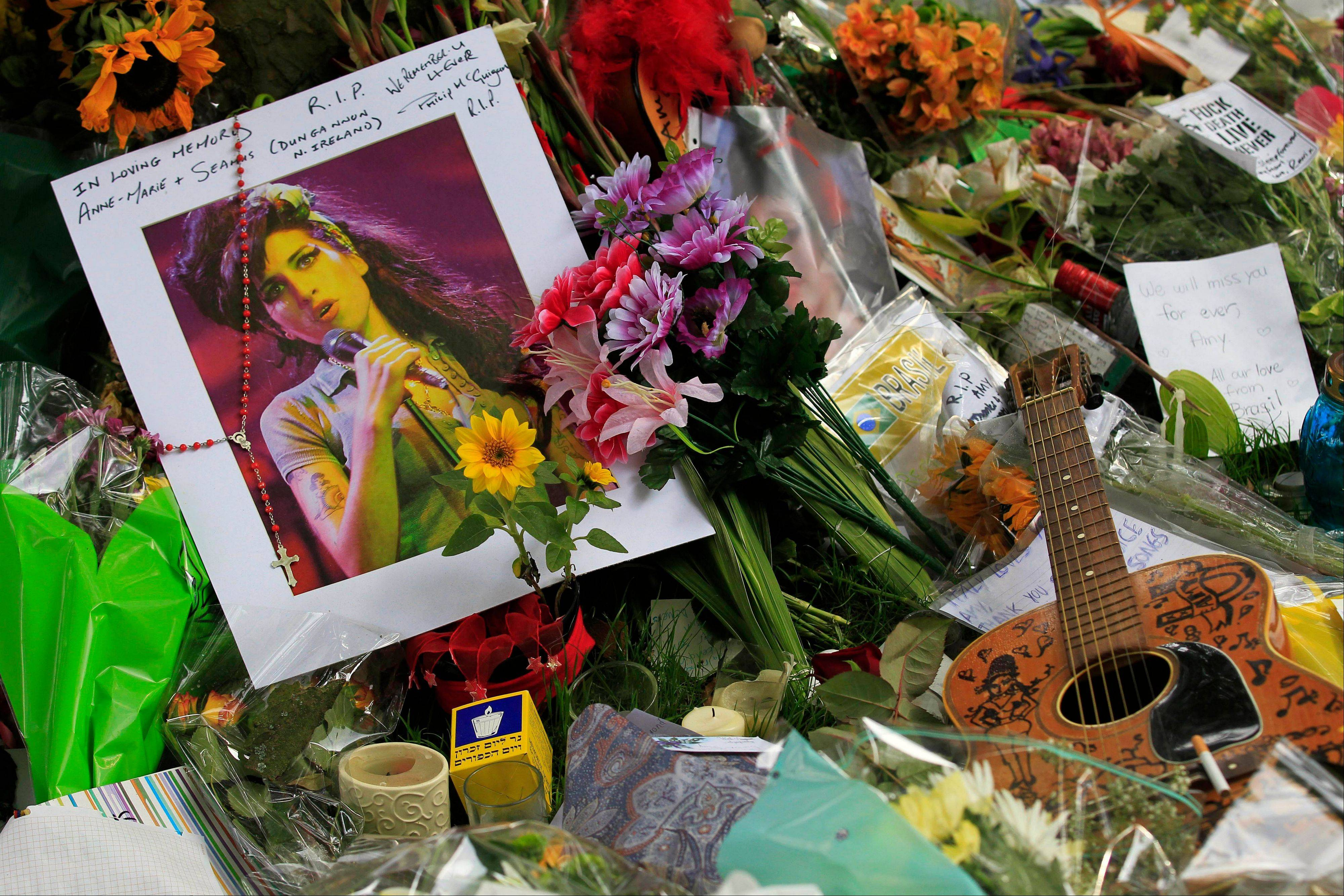 Images: London funeral for singer Amy Winehouse