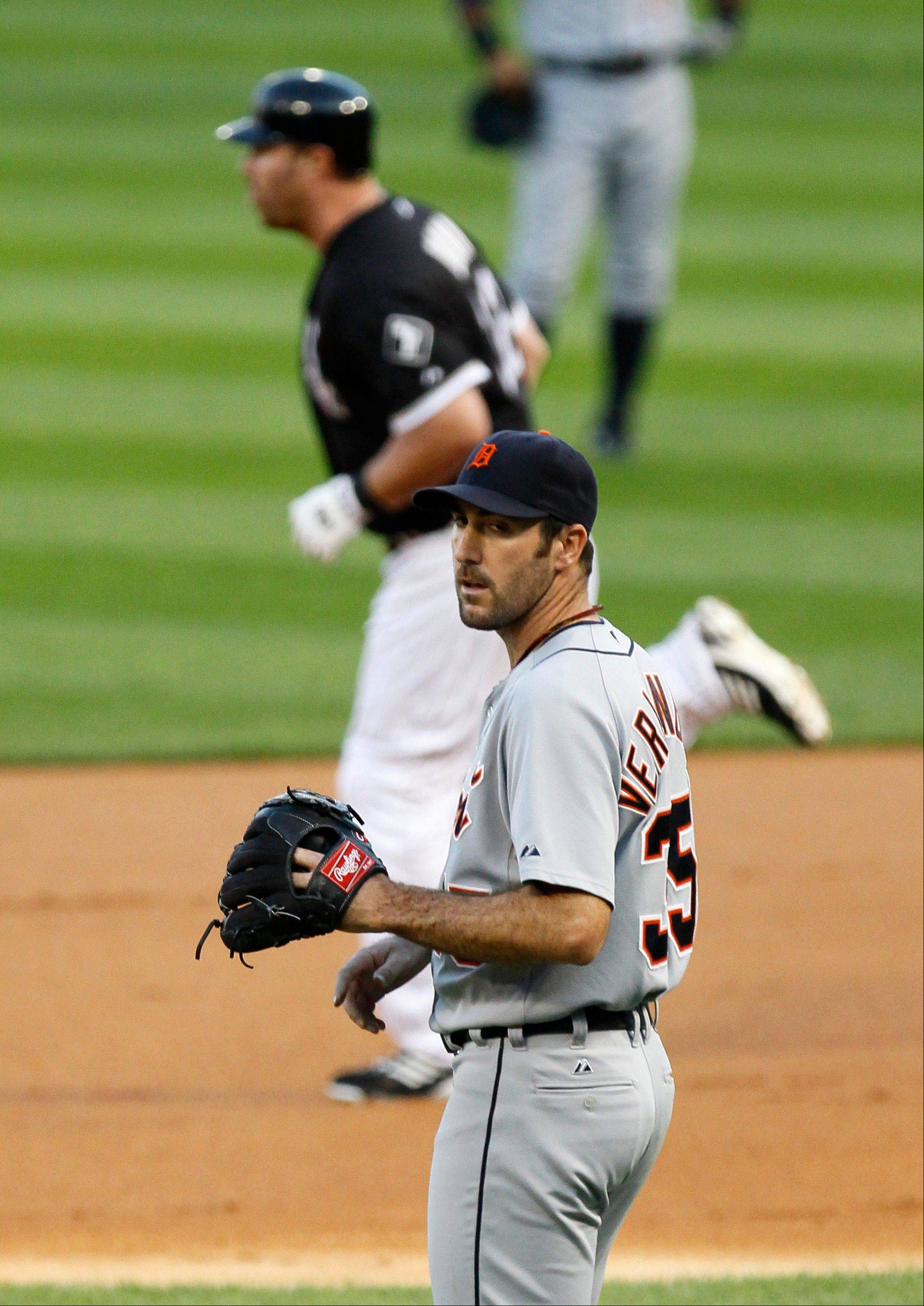 Sox nick Verlander twice, but Tigers ace hangs tough