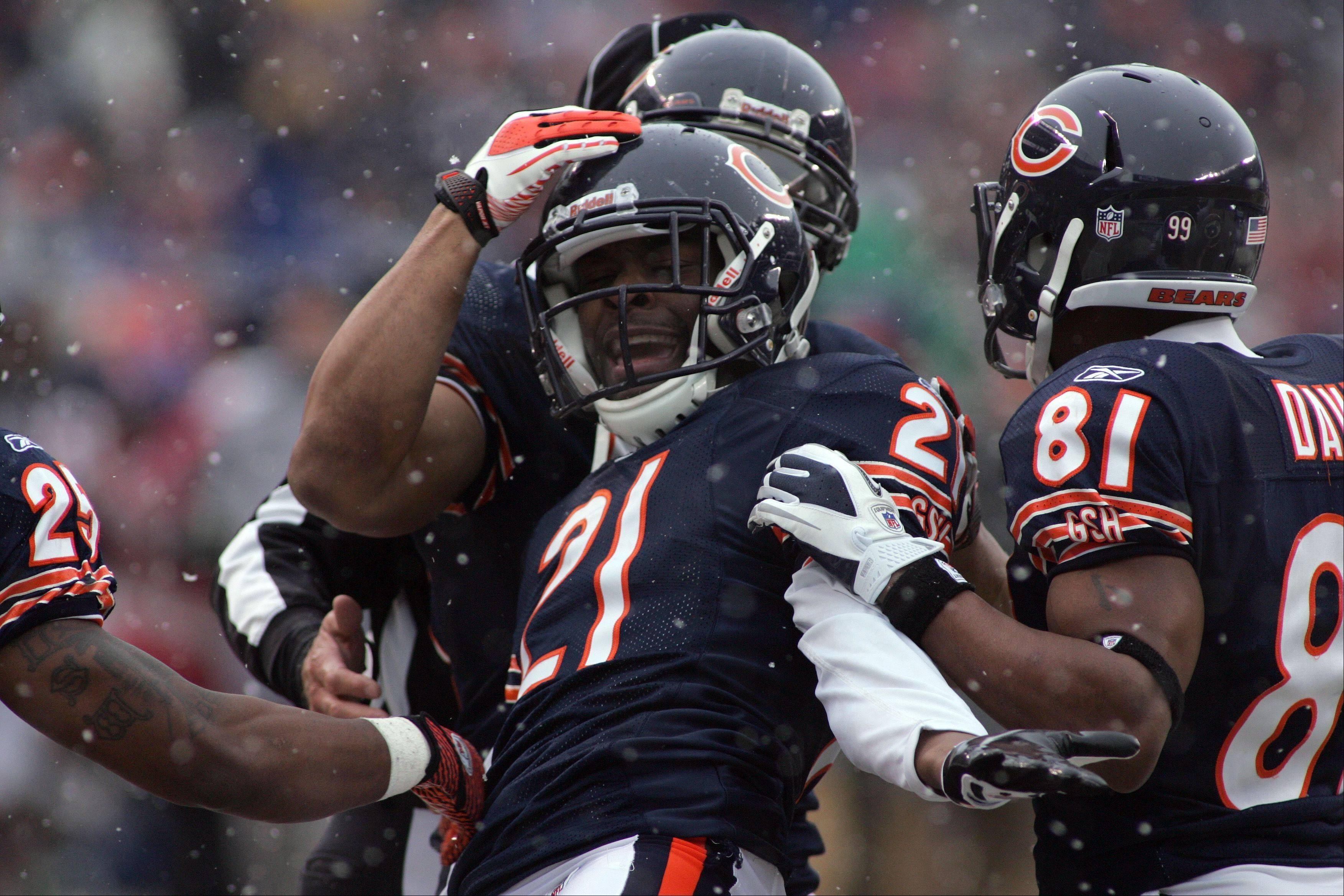 Bears cornerback Corey Graham (21) led the team in special teams tackles last season, but many of his teammates on those unit are gone. Graham will join Sam Hurd this season as the two key figures on the kickoff team.