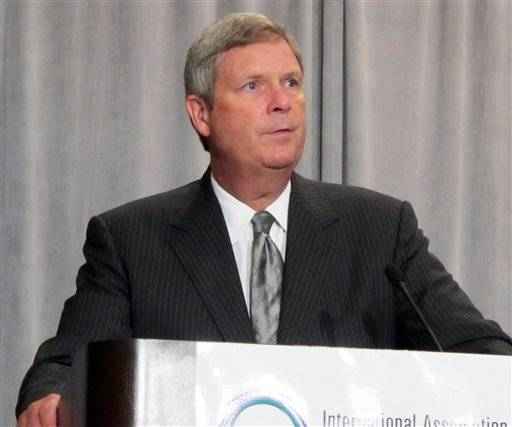 "U.S. Agriculture Secretary Tom Vilsack told the International Association for Food Protection that the government hopes to find the source of a salmonella outbreak linked to ground turkey ""very, very"" soon."