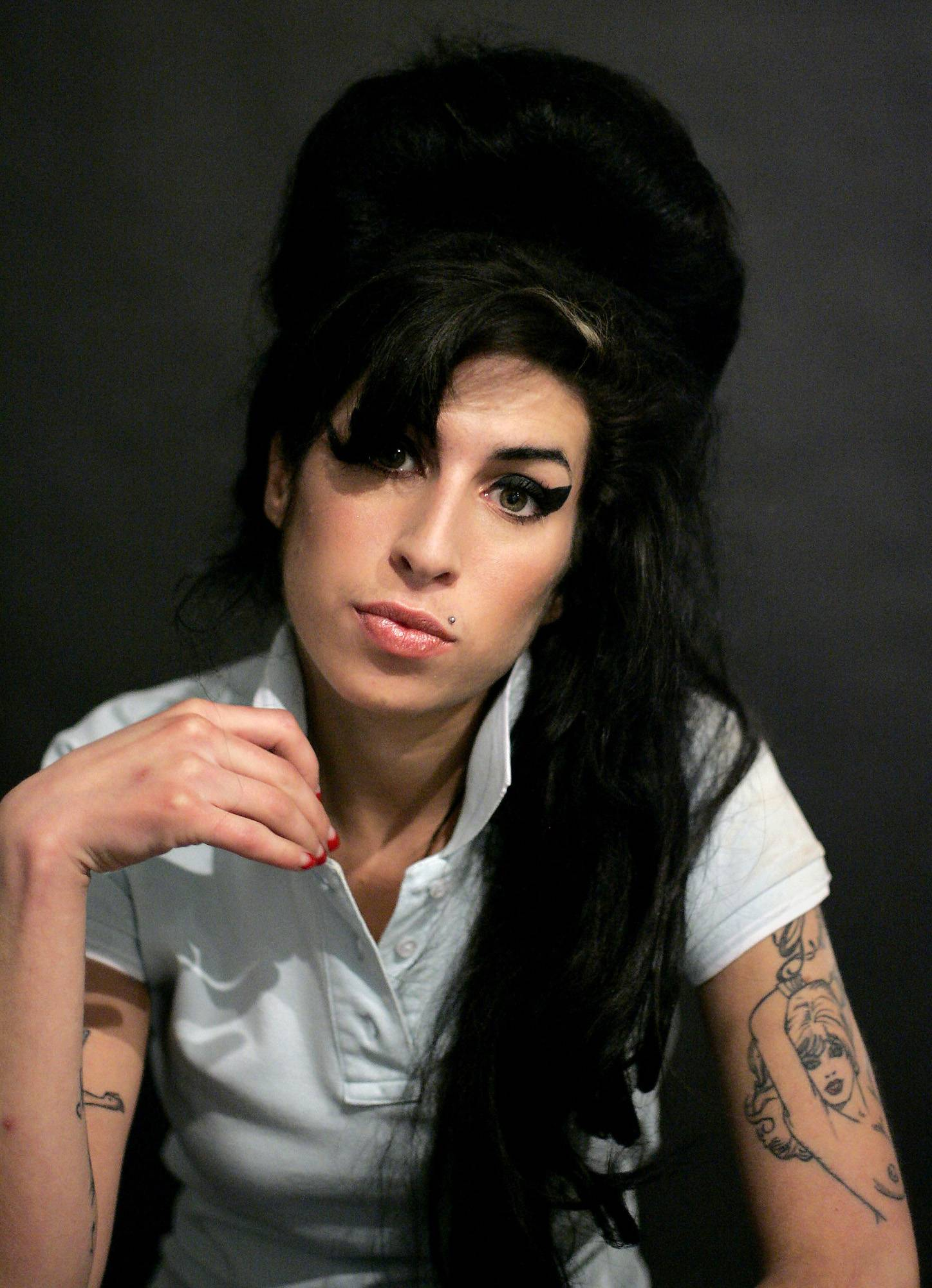 Amy Winehouse's duet with Tony Bennett will be released in September as a charity single.