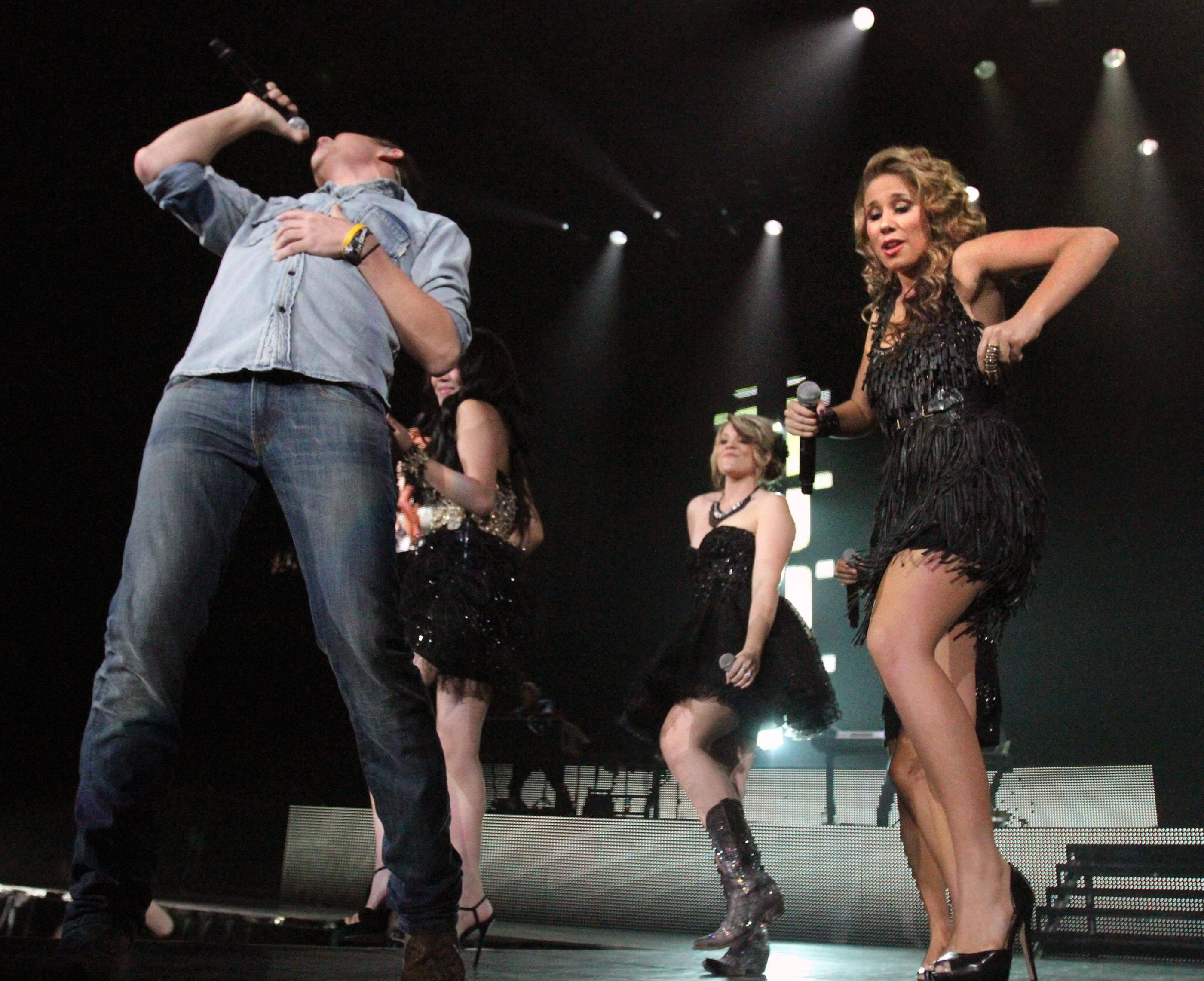Haley Reinhart performs with Scotty McCreery.