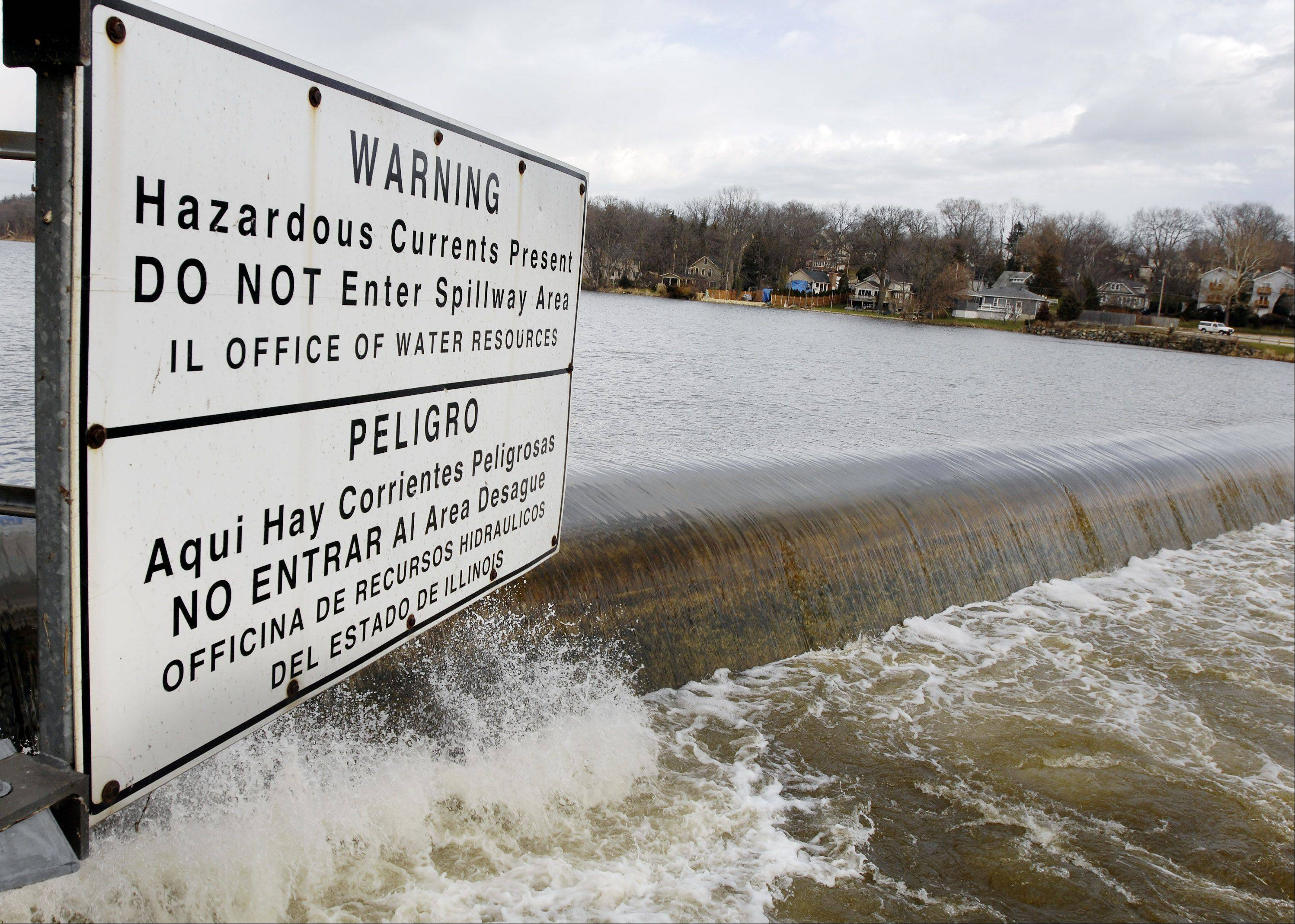 The Illinois Department of Natural Resources in 2006 began looking into removing the Geneva dam after deaths at other dams along the Fox River.