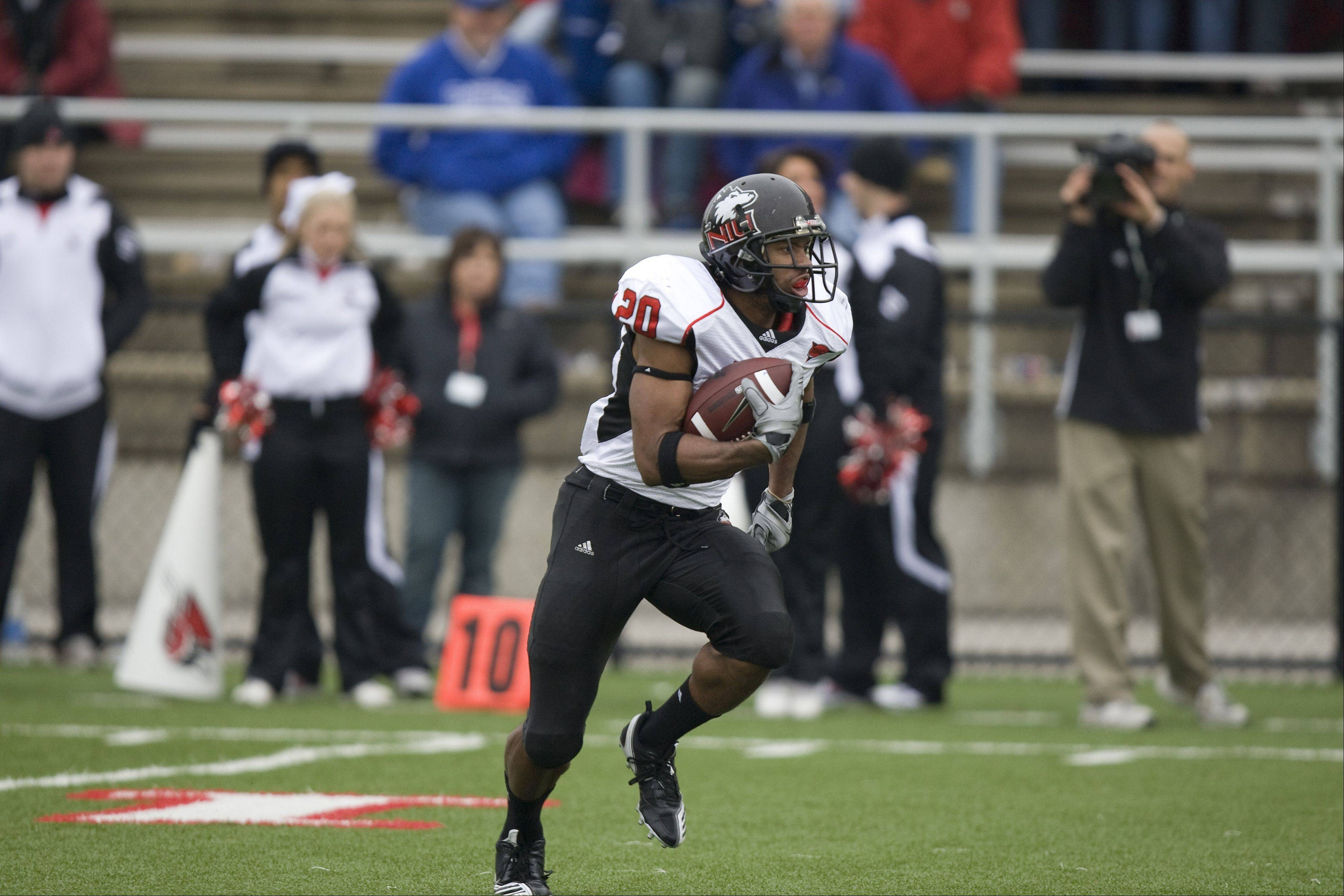 NIU junior Tommy Davis is one of 50 players named to the 2011 Watch List for the Paul Hornung Award. The NIU speedster averages 24.0 yards per kickoff return last season and has scored a touchdown via kickoffs in each of his first two seasons at Northern Illinois.