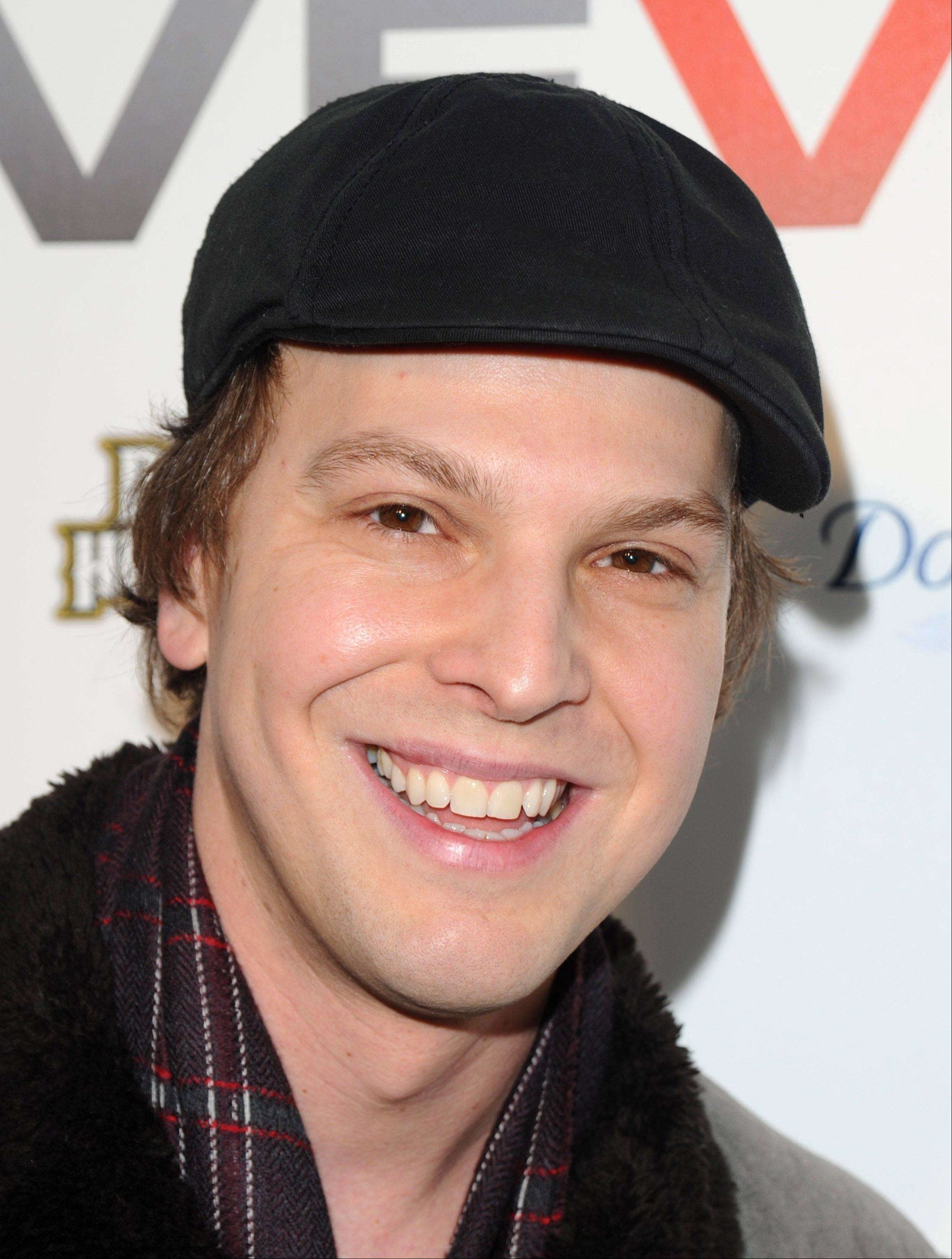 An attack Sunday left Gavin DeGraw with a broken nose, a concussion and other injuries.