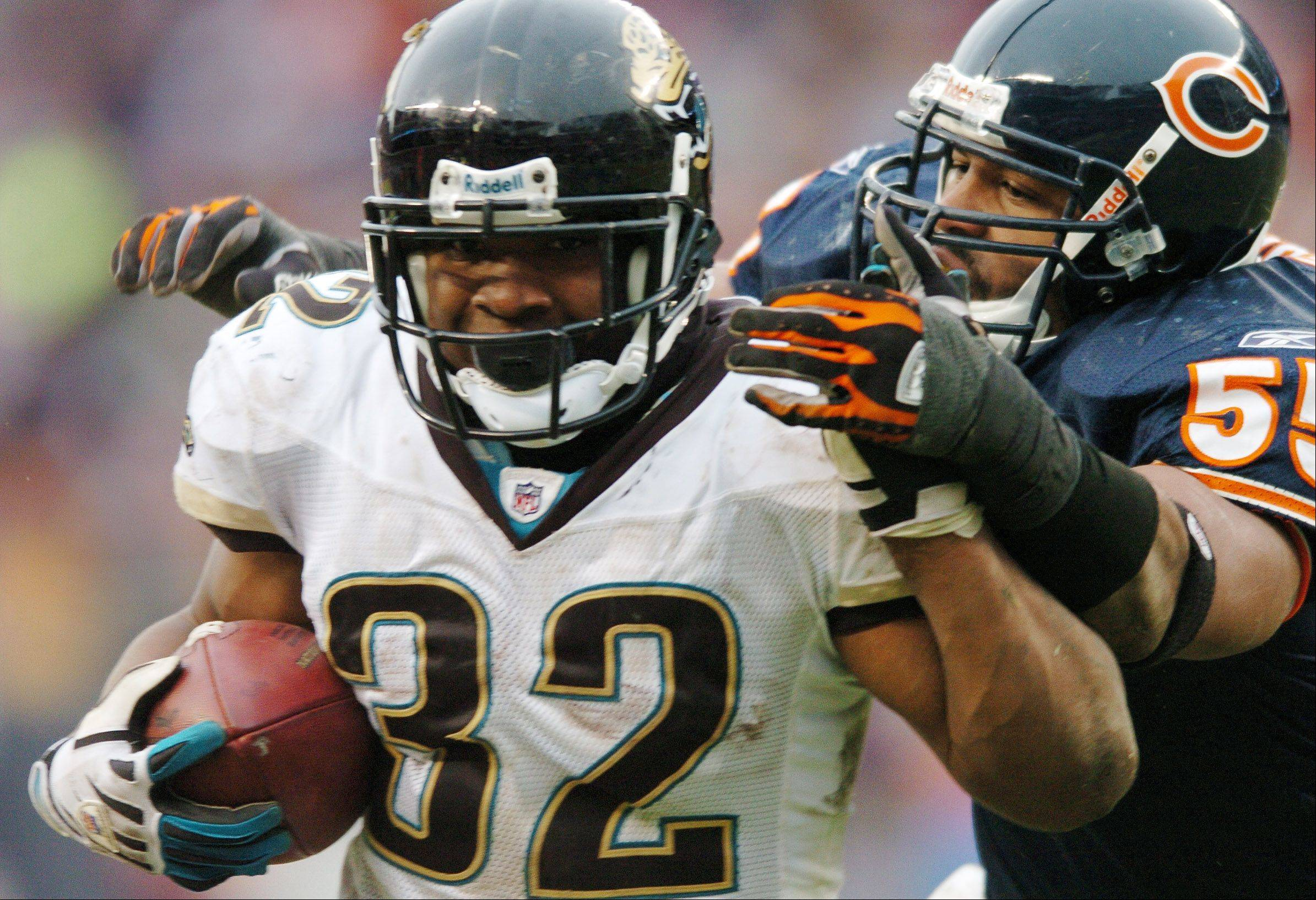 Jacksonville running back Maurice Jones-Drew says he won't apologize for critical comments he posted on his Twitter account about Bears quarterback Jay Cutler last January.