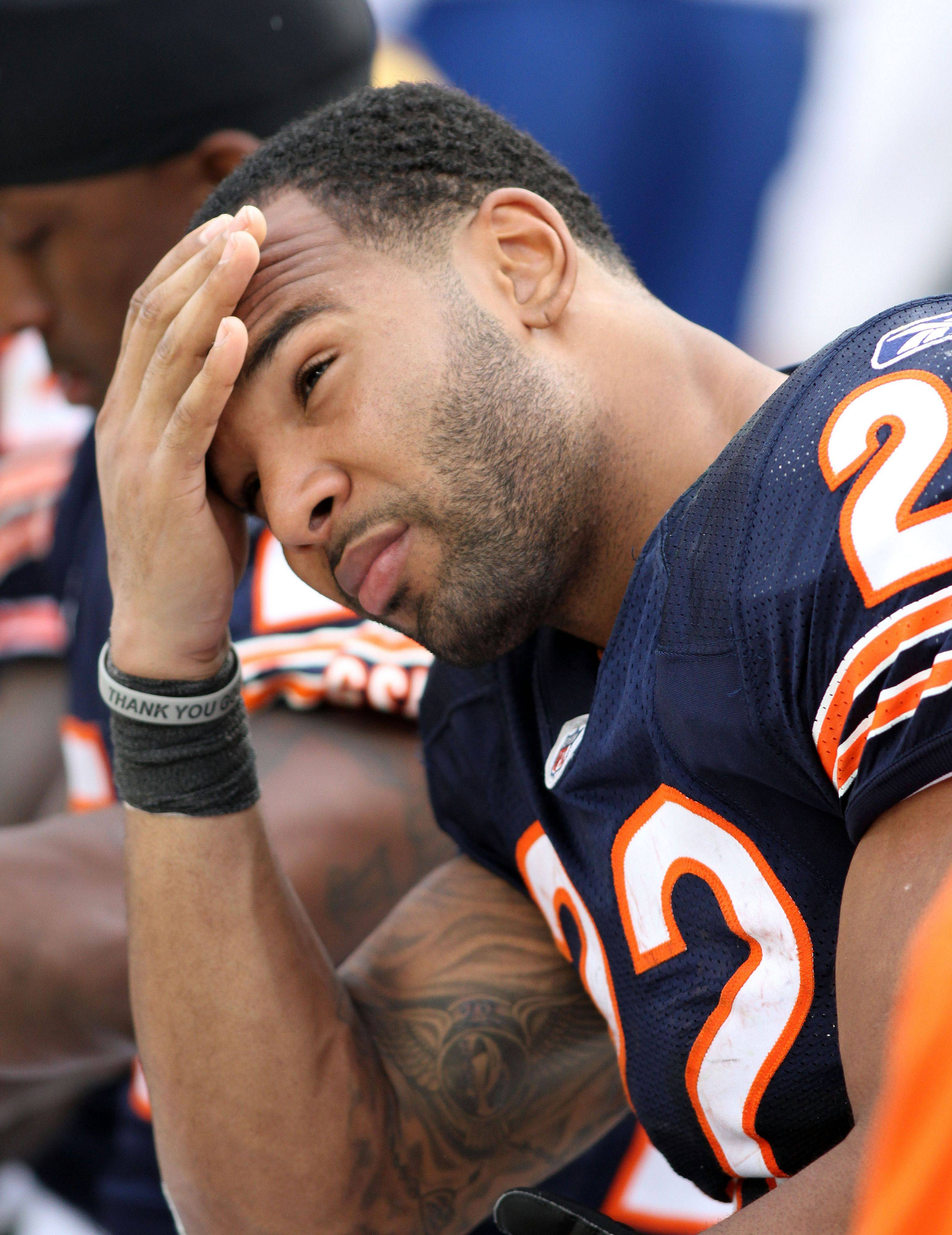 While it might not seem fair to Matt Forte, the best move for the Bears would be to wait before rewarding their running back with any long-term deal.