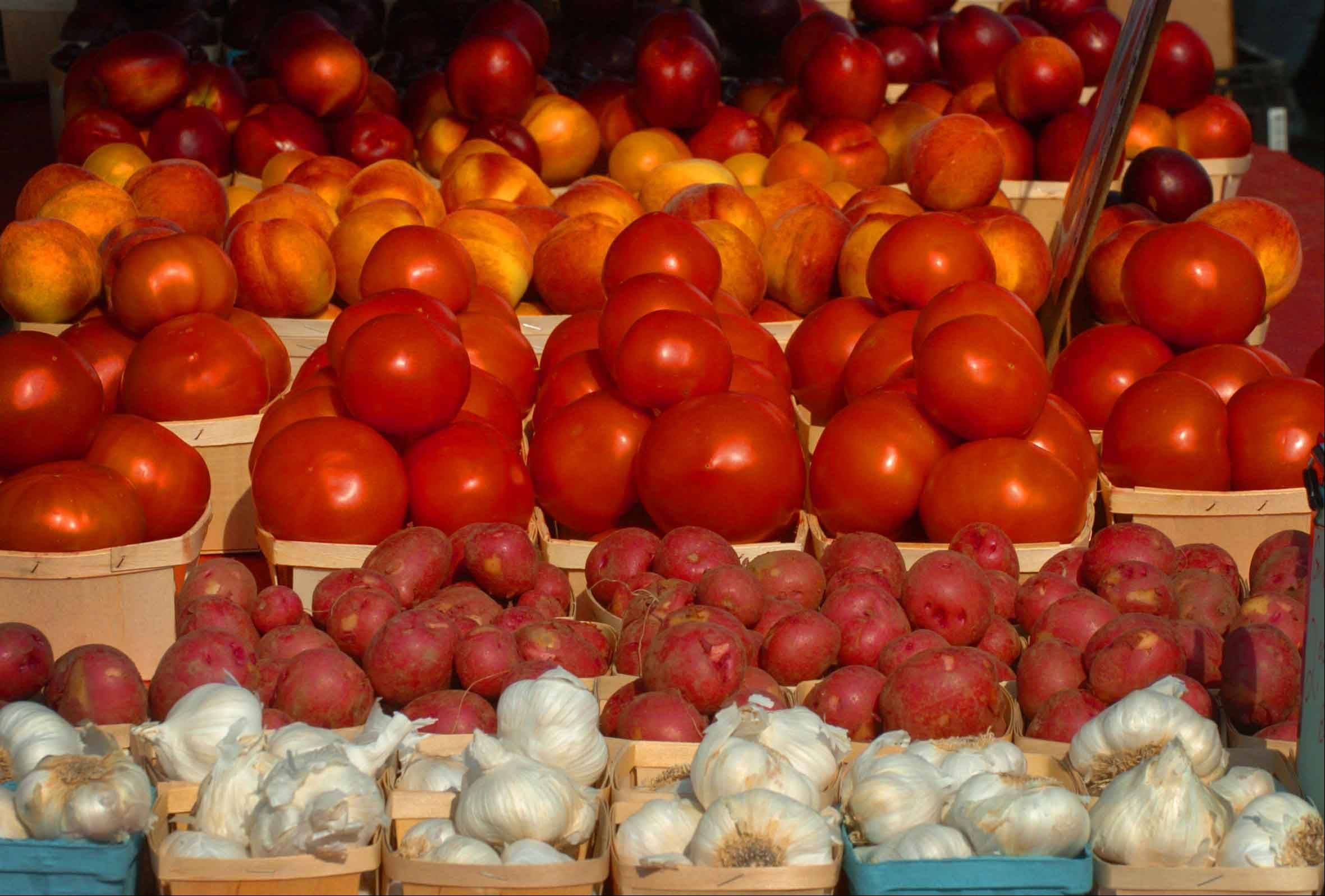 A new law creates a task force to make recommended farmers market regulations.