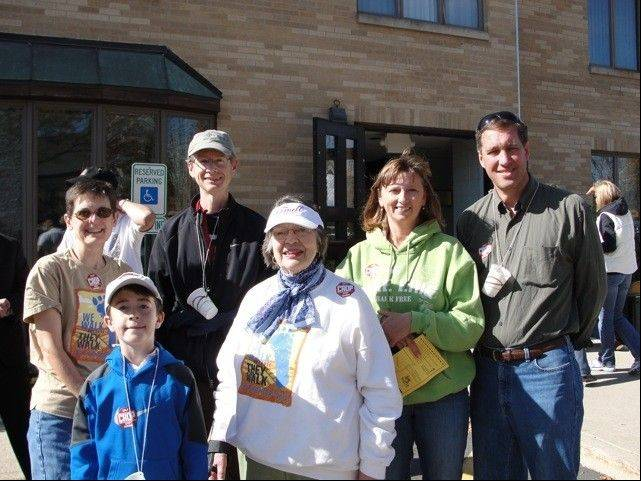 Participants in the 2010 Walk included: Back row: Linda Osikowicz, Walt Preucil, Ginger Hellwarth and Grant Hellwarth; front row: James Preucil and Betty Reed.
