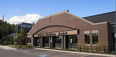 State and federal bank regulators say customers who have money in the failed First Choice Bank in Geneva should not worry as the bank's deposit will be taken over by Inland Bank, based in Oak Brook.