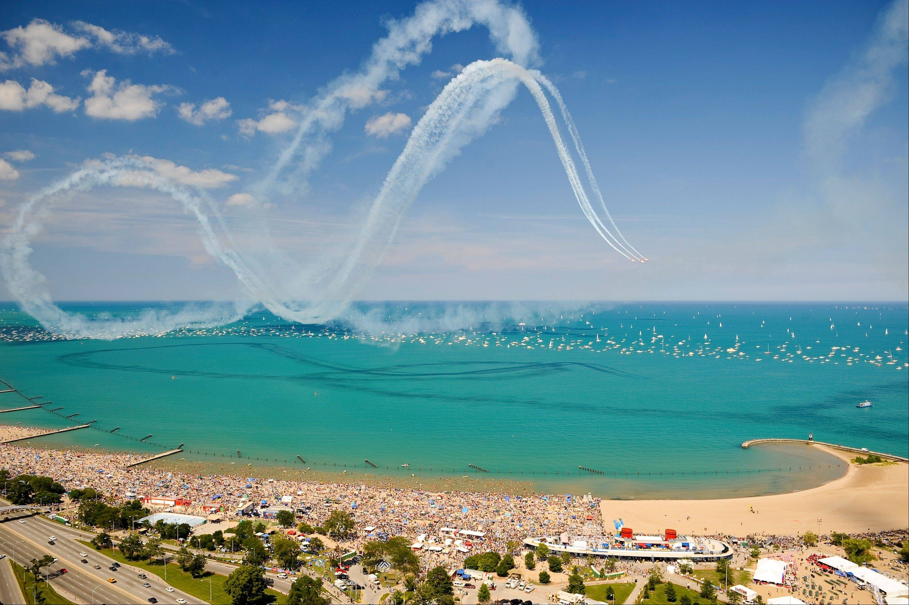 Prospect Heights Mayor Nick Helmer says get to North Avenue Beach between 8 and 9 a.m. to pick a spot for the Chicago Air and Water show.
