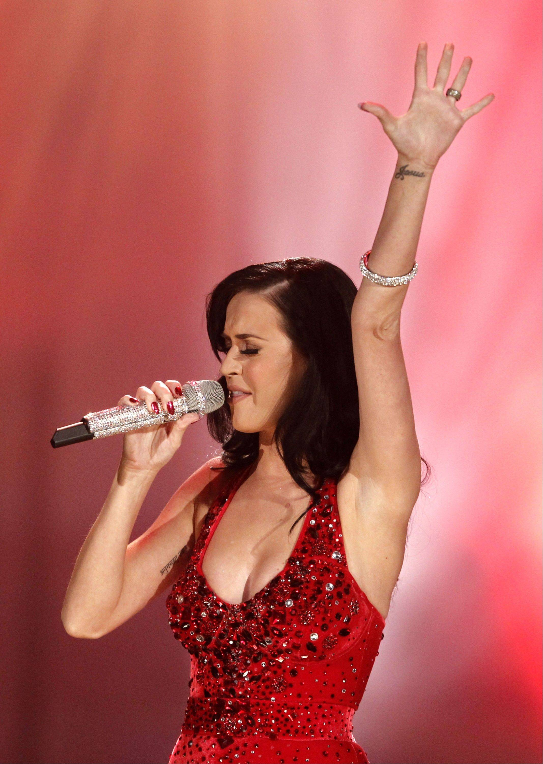 Katy Perry will perform a make-up show Sunday at Allstate Arena.