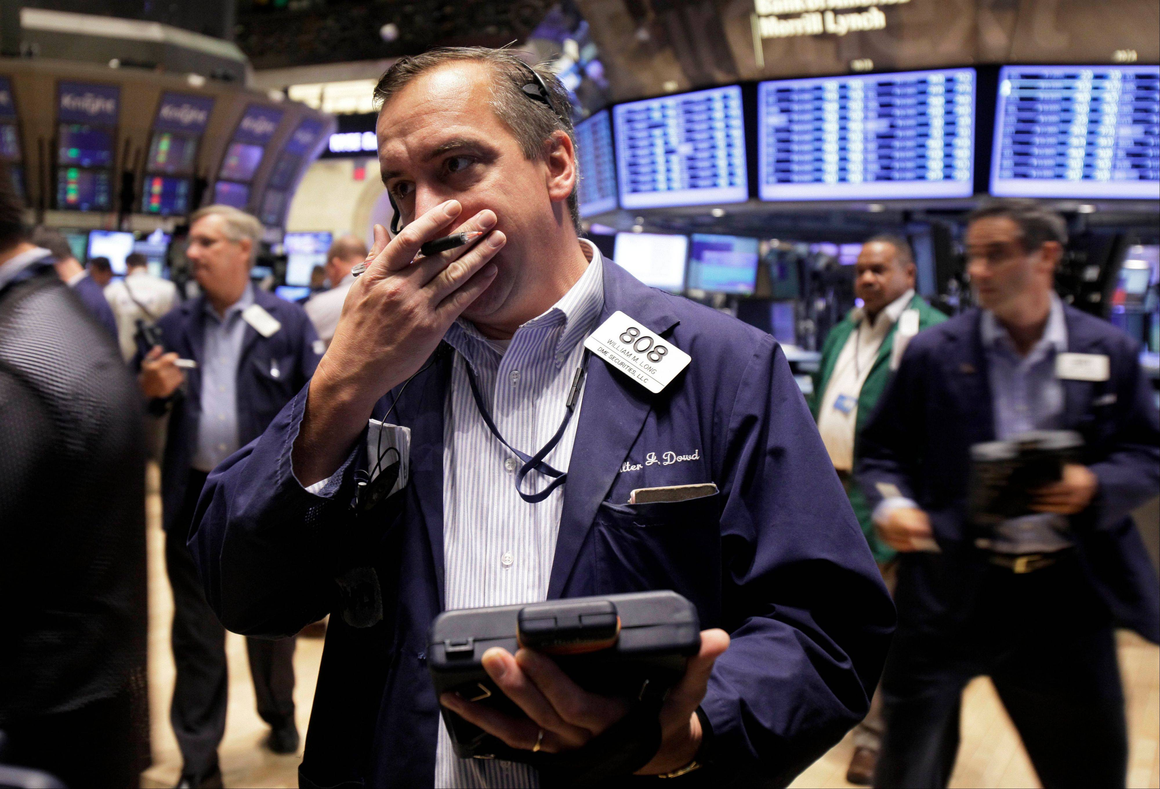 Wall Street firms pushed up estimates for Standard & Poor�s 500 Index earnings for a 10th straight quarter, forecasting a 17 percent gain in 2011, data compiled by Bloomberg show. That�s 9.9 times more than economists say gross domestic product will grow. The average ratio since 1954 is 5.4 times, the data show.