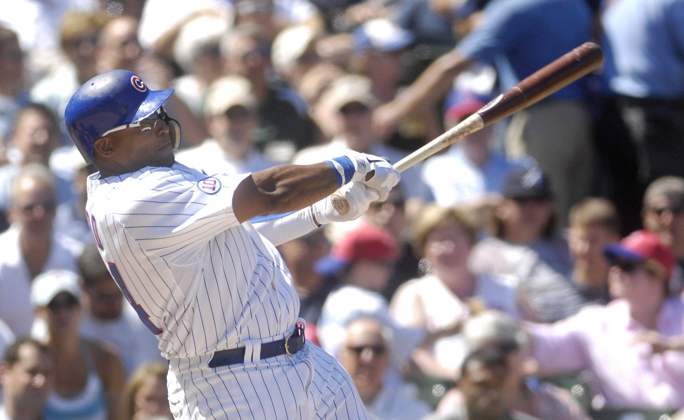 Chicago Cubs center fielder Marlon Byrd homers in the second inning.