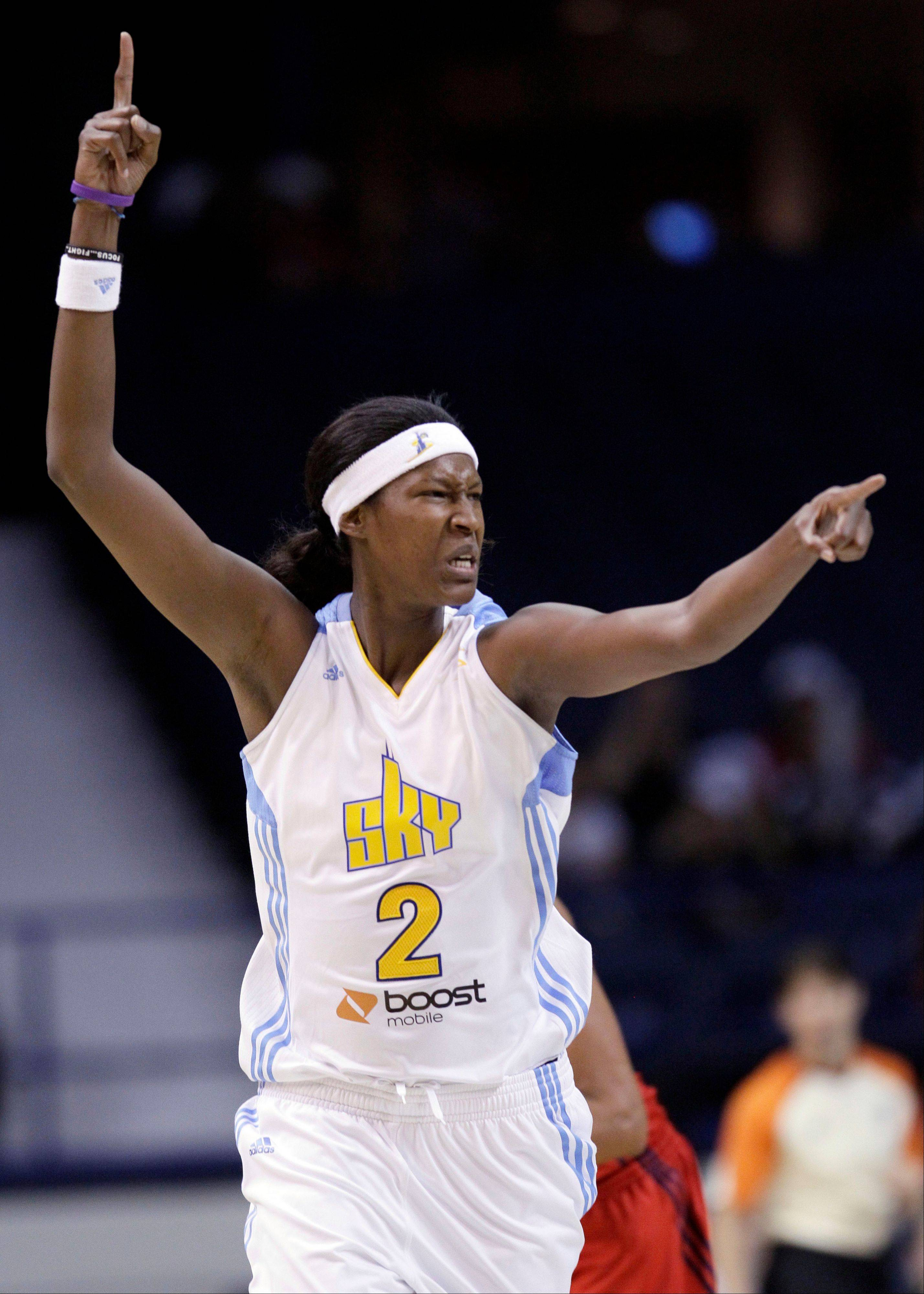 The Sky's Michelle Snow reacts after scoring a basket Friday against the Mystics.