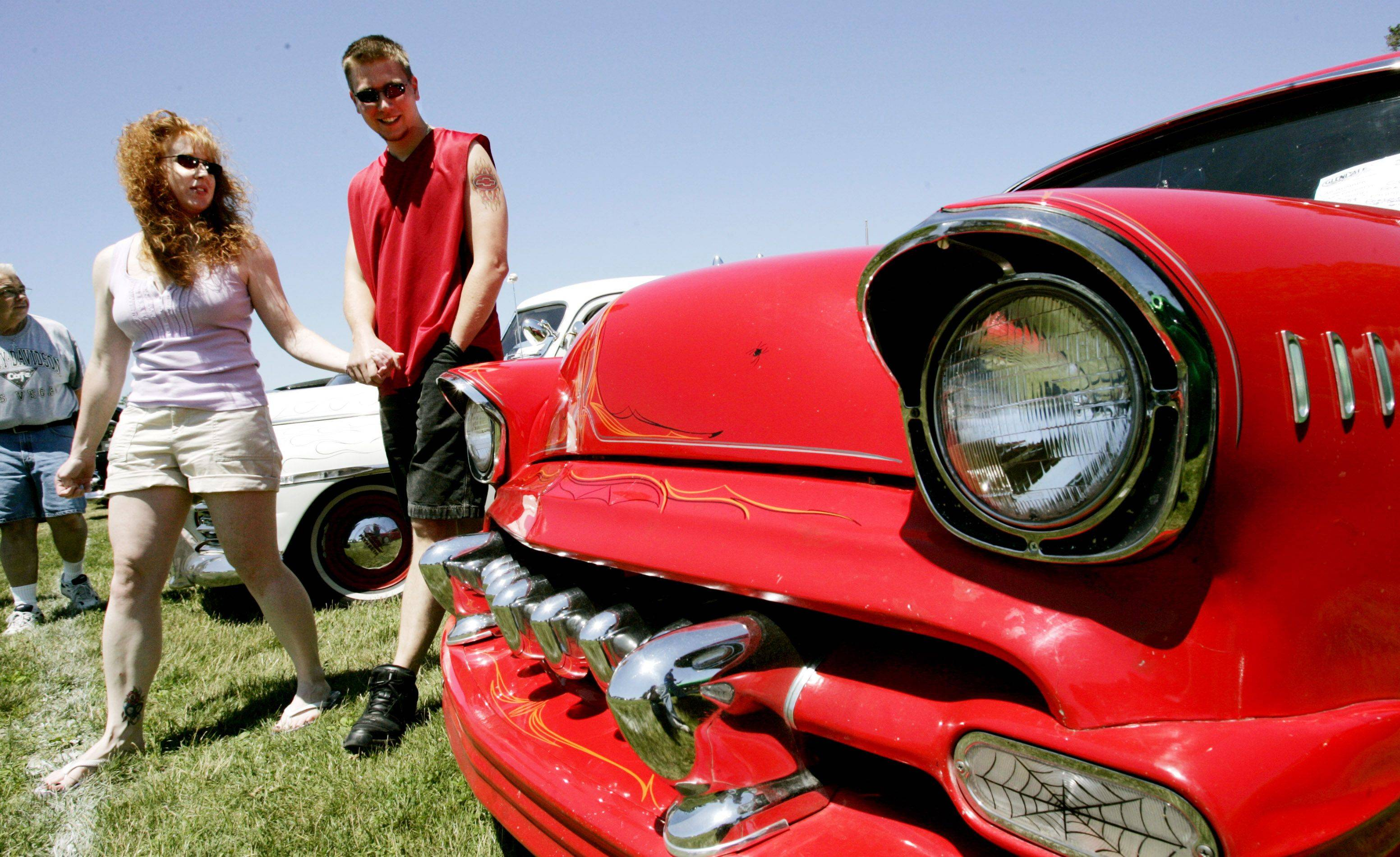 About 200 car owners will display their gleaming chrome, polished paint and crisp whitewalls in the Glendale Heights Show and Shine Car Show, rescheduled to Sunday after being rained out earlier this month.