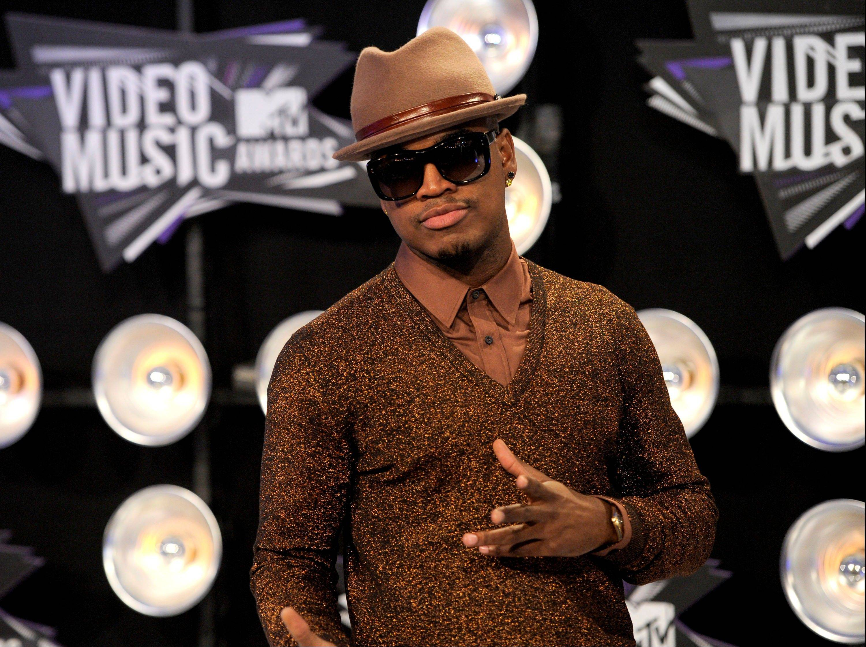 Ne-Yo arrives at the MTV Video Music Awards on Sunday in Los Angeles.