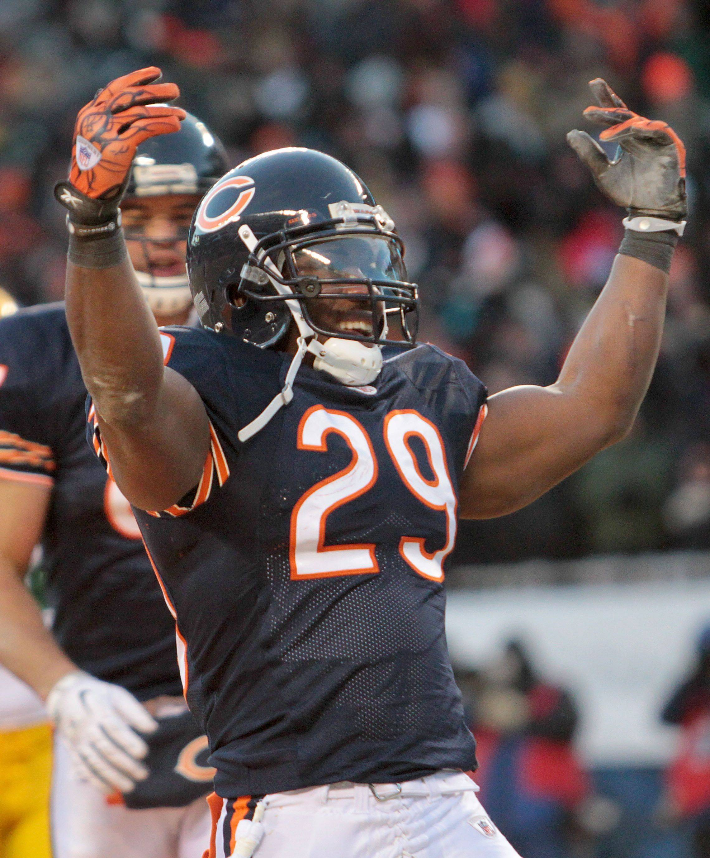 Bears RB Taylor going, going ... but not quite gone