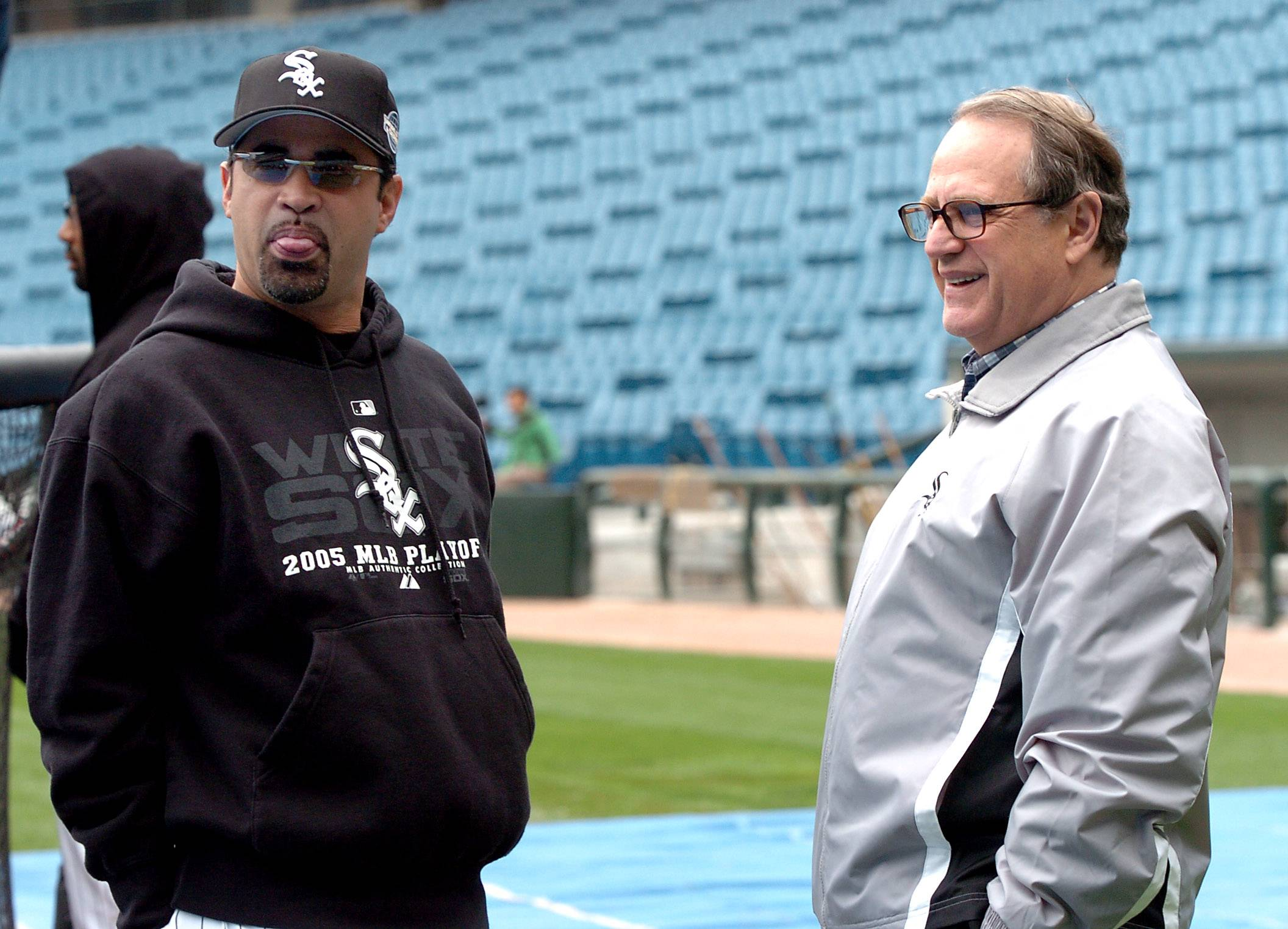 'Grumpy' Reinsdorf watching final month closely