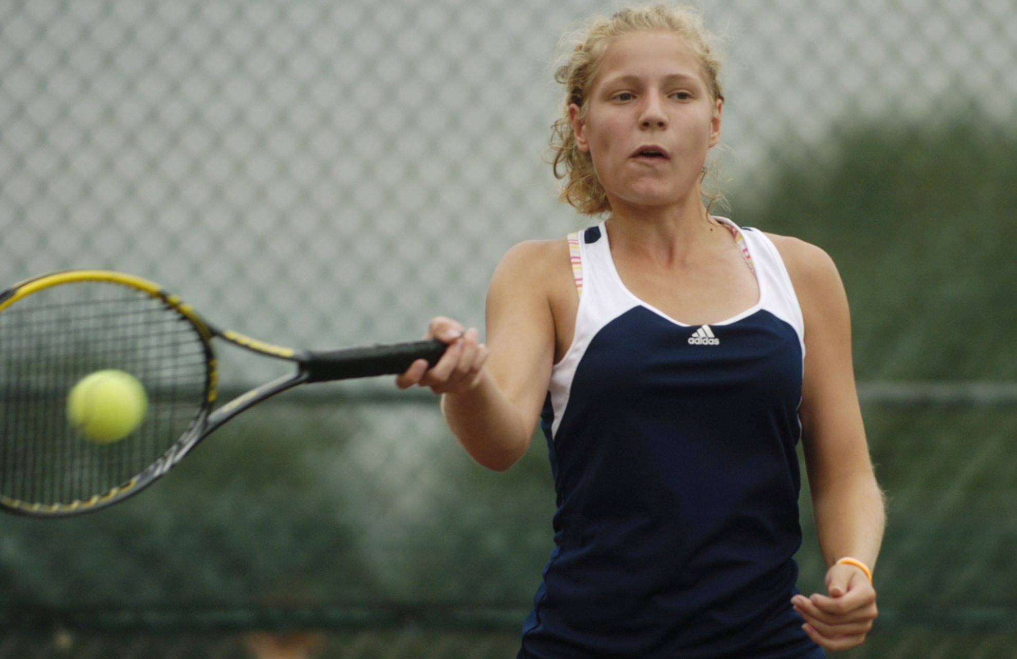 Buffalo Grove looks to defend its Mid-Suburban East title with No. 1 singles player Elise Mousseau.