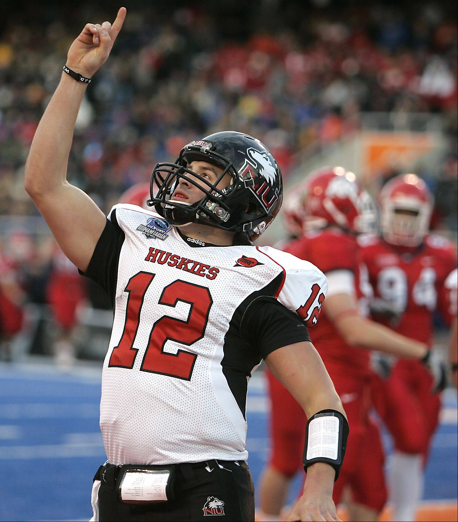 Northern Illinois quarterback Chandler Harnish returns to lead the Huskies in their home opener Saturday against Army.