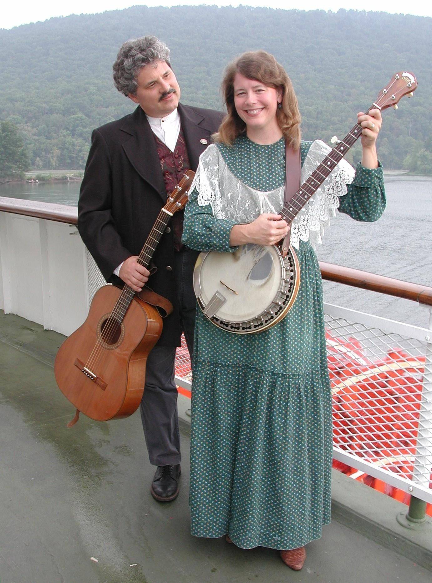 Folk musicians Dave Para and Cathy Barton will perform at the Fox Valley Folk Music & Storytelling Festival in Geneva.