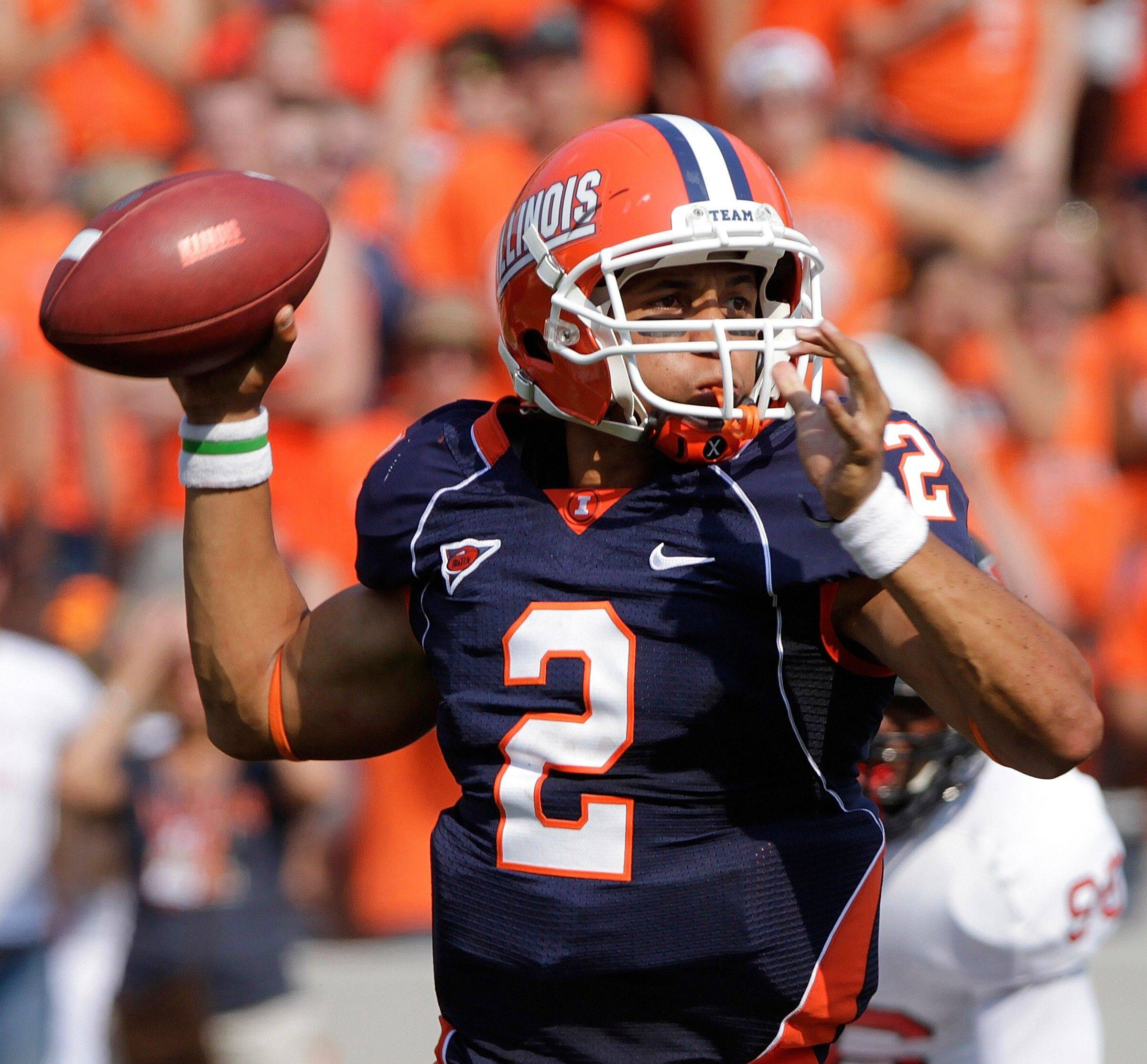 Illinois quarterback Nathan Scheelhaase drops back to pass during the first half Saturday.