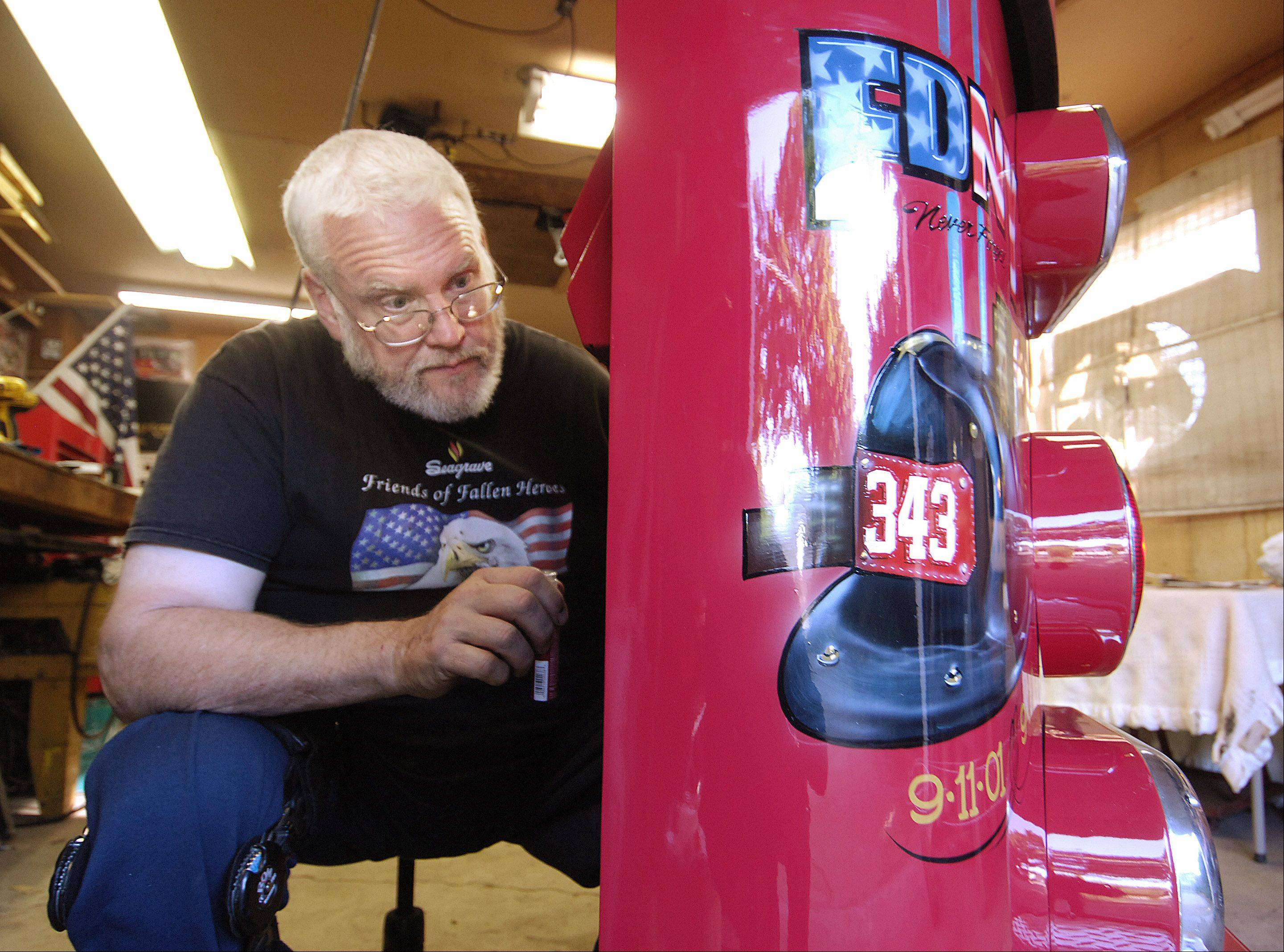 Elgin firefighter restores old firetruck as a gift for NYC colleagues