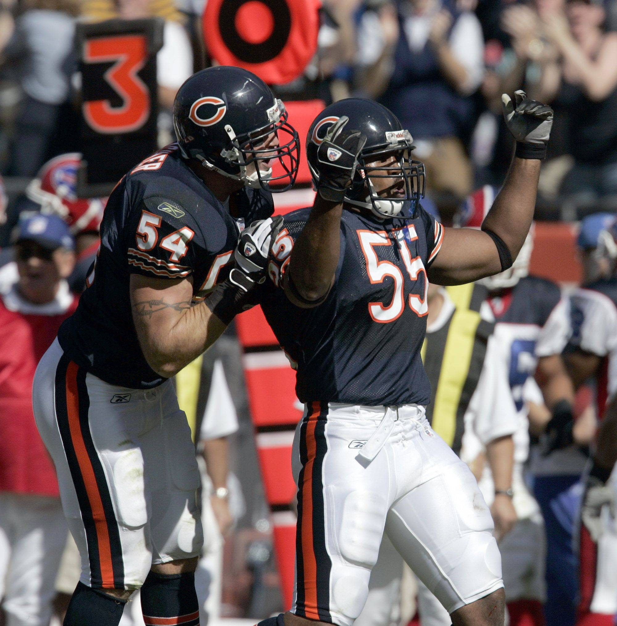 BRIAN HILL/bhill@dailyherald.com Bears linebackers Lance Briggs and Brian Urlacher.