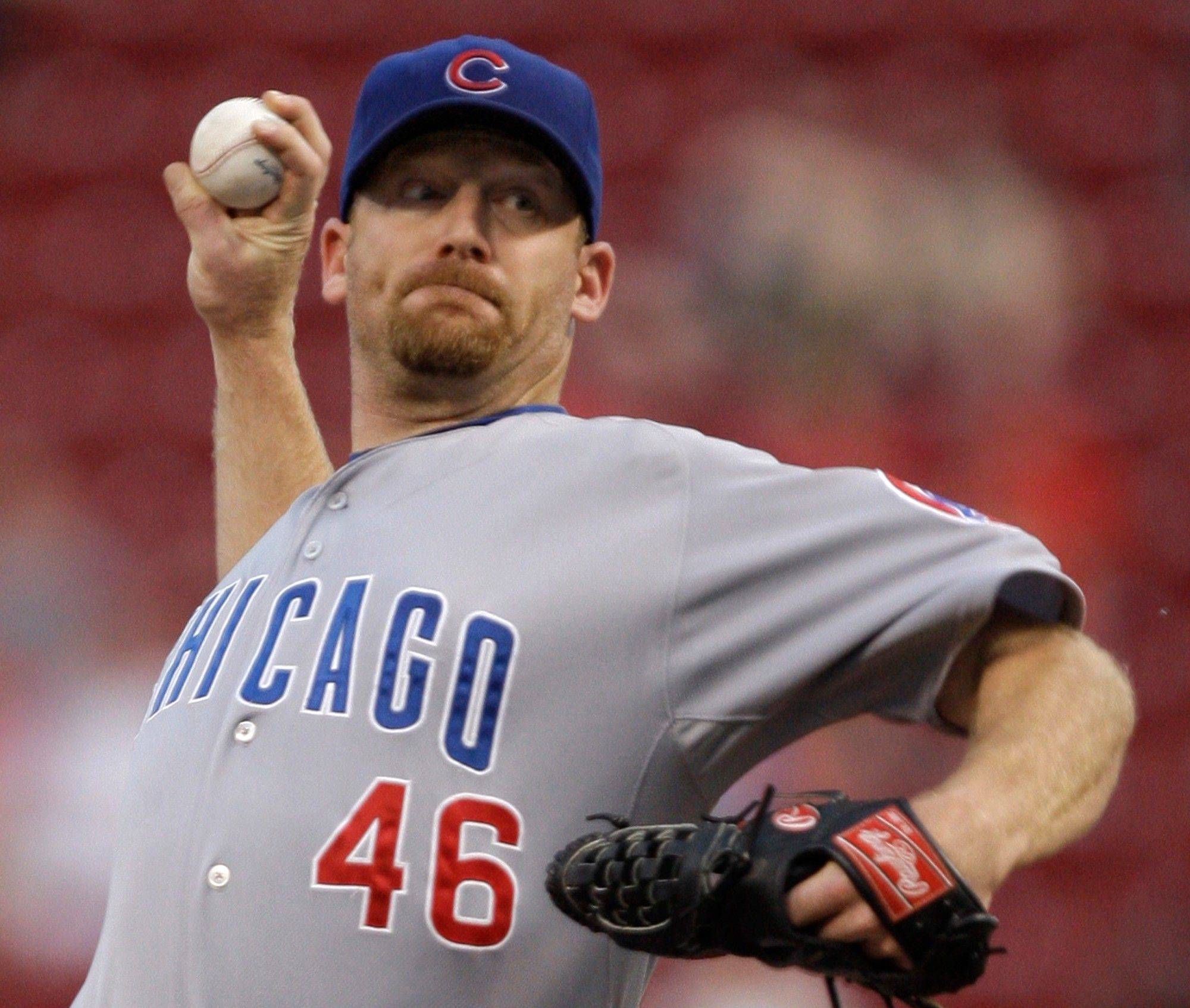 Ryan Dempster throws against the Cincinnati Reds in the first inning Tuesday in Cincinnati.