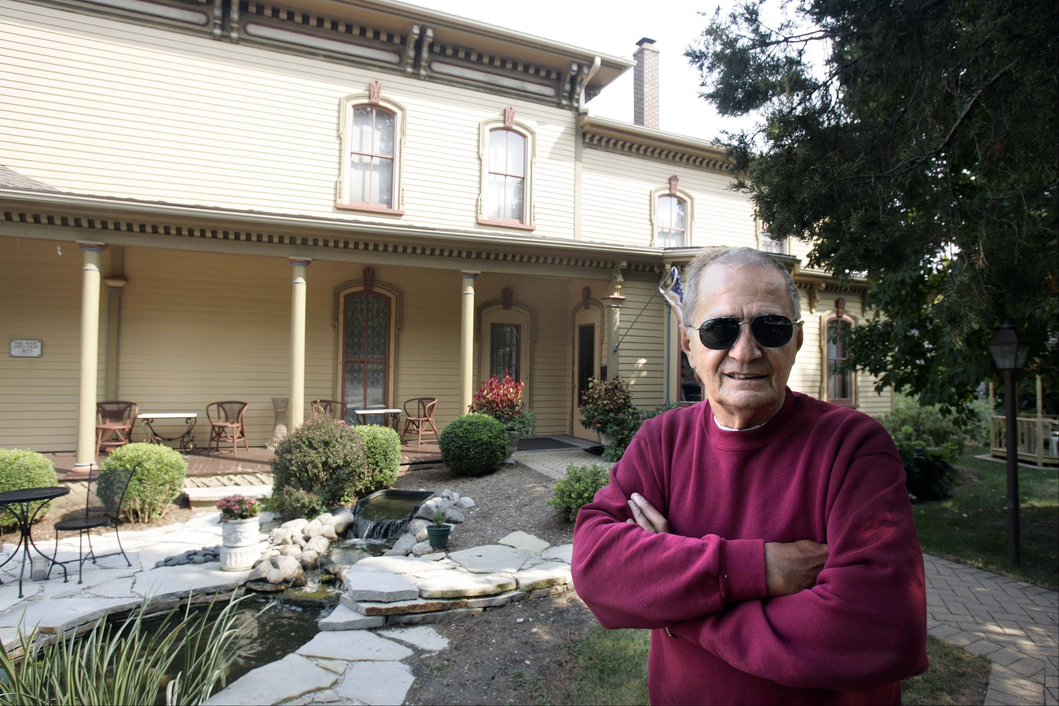 Charles Denofrio wanted to turn the first floor of his historic West Dundee house into a coffeehouse, but many neighbors are opposed to the plan.