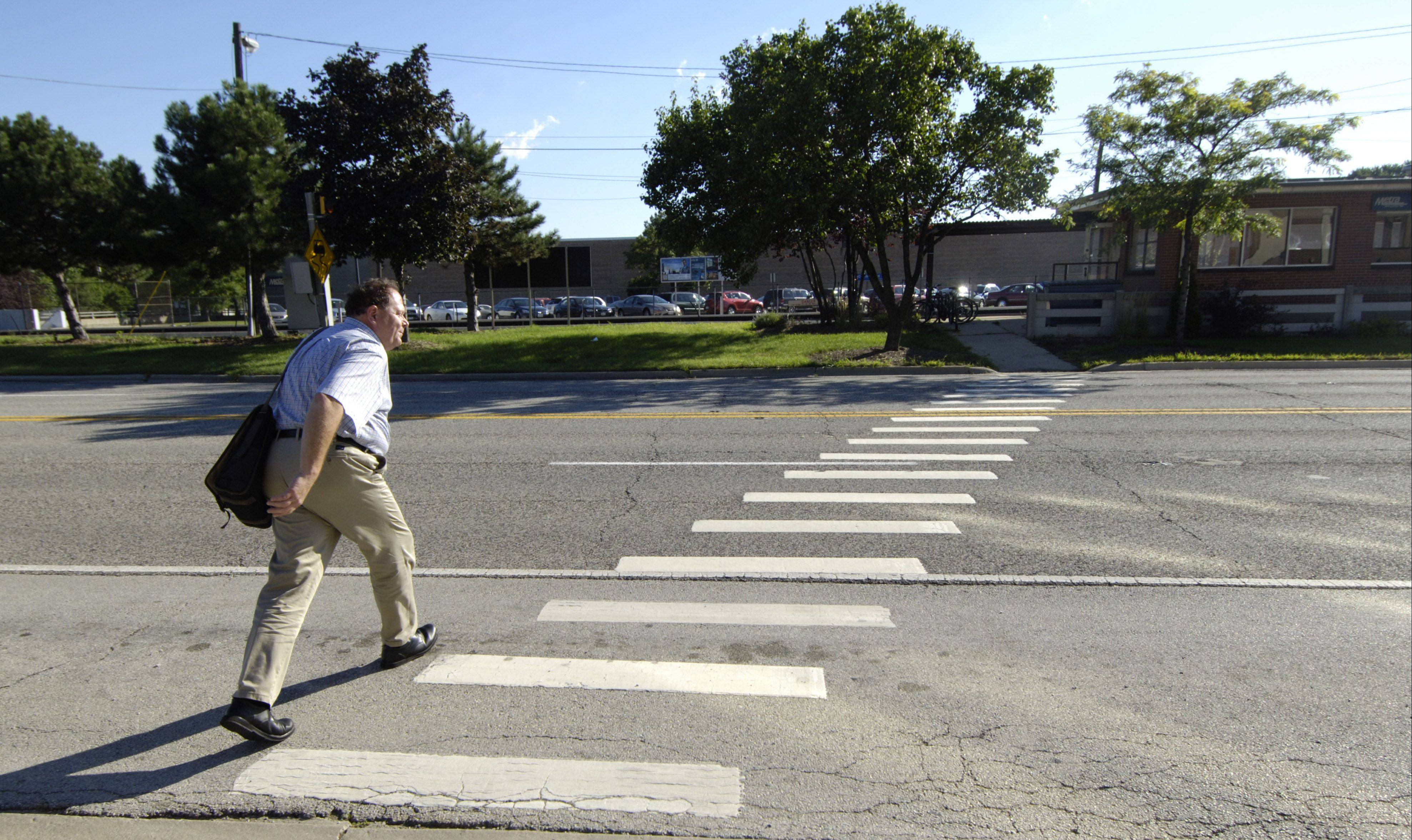Suburban police write few tickets on crosswalk law