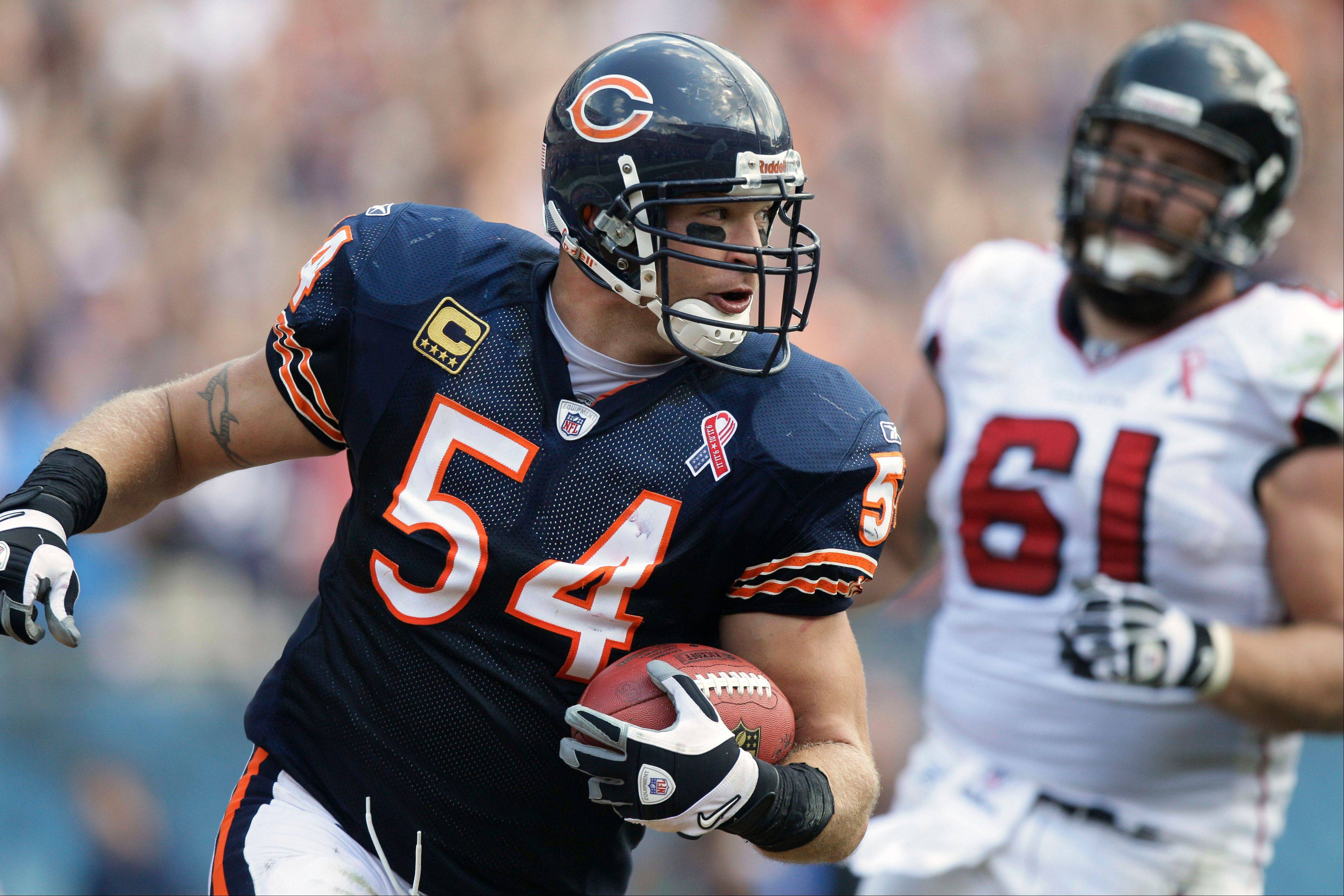 Bears linebacker Brian Urlacher, here scoring a touchdown after a fumble recovery against the Atlanta Falcons, returned to Halas Hall in Lake Forest on Thursday, according to team sources. He is expected to play on Sunday at New Orleans