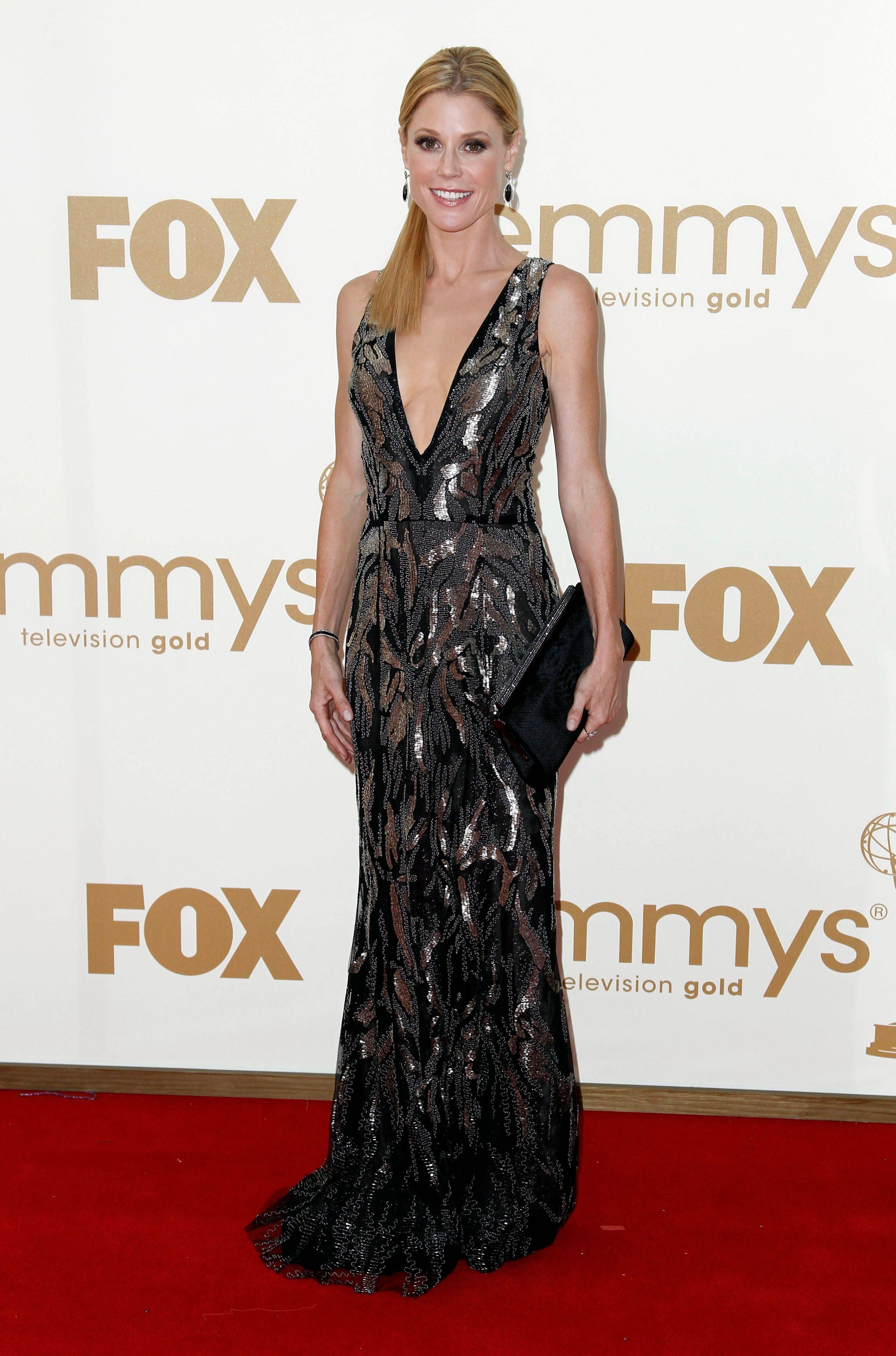 """Modern Family"" star Julie Bowen ditched the mom clothes from the show for a daring dress."