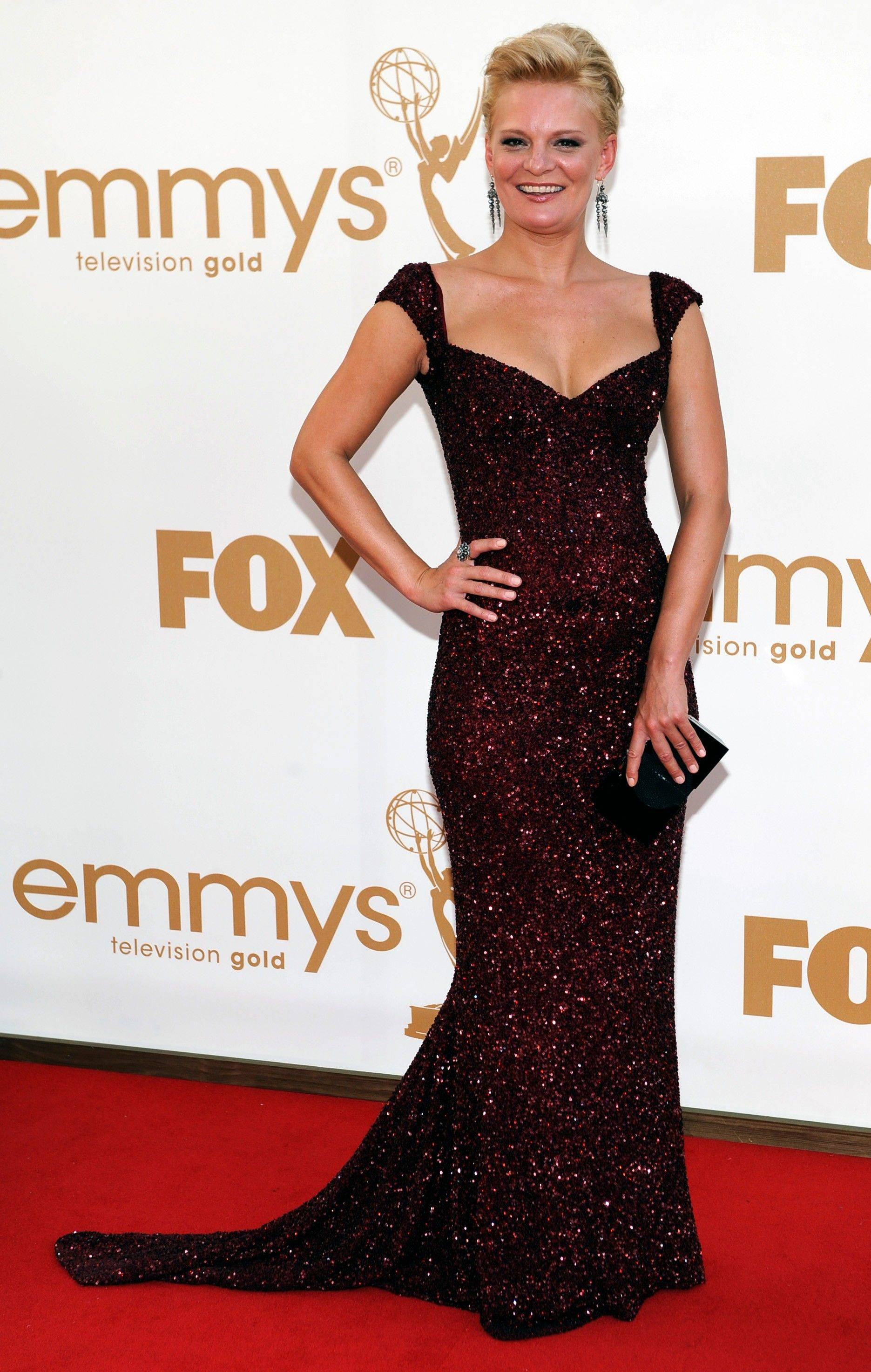 """Raising Hope"" actress and Emmy nominee Martha Plimpton makes her red carpet moment count in this glamorous gown."