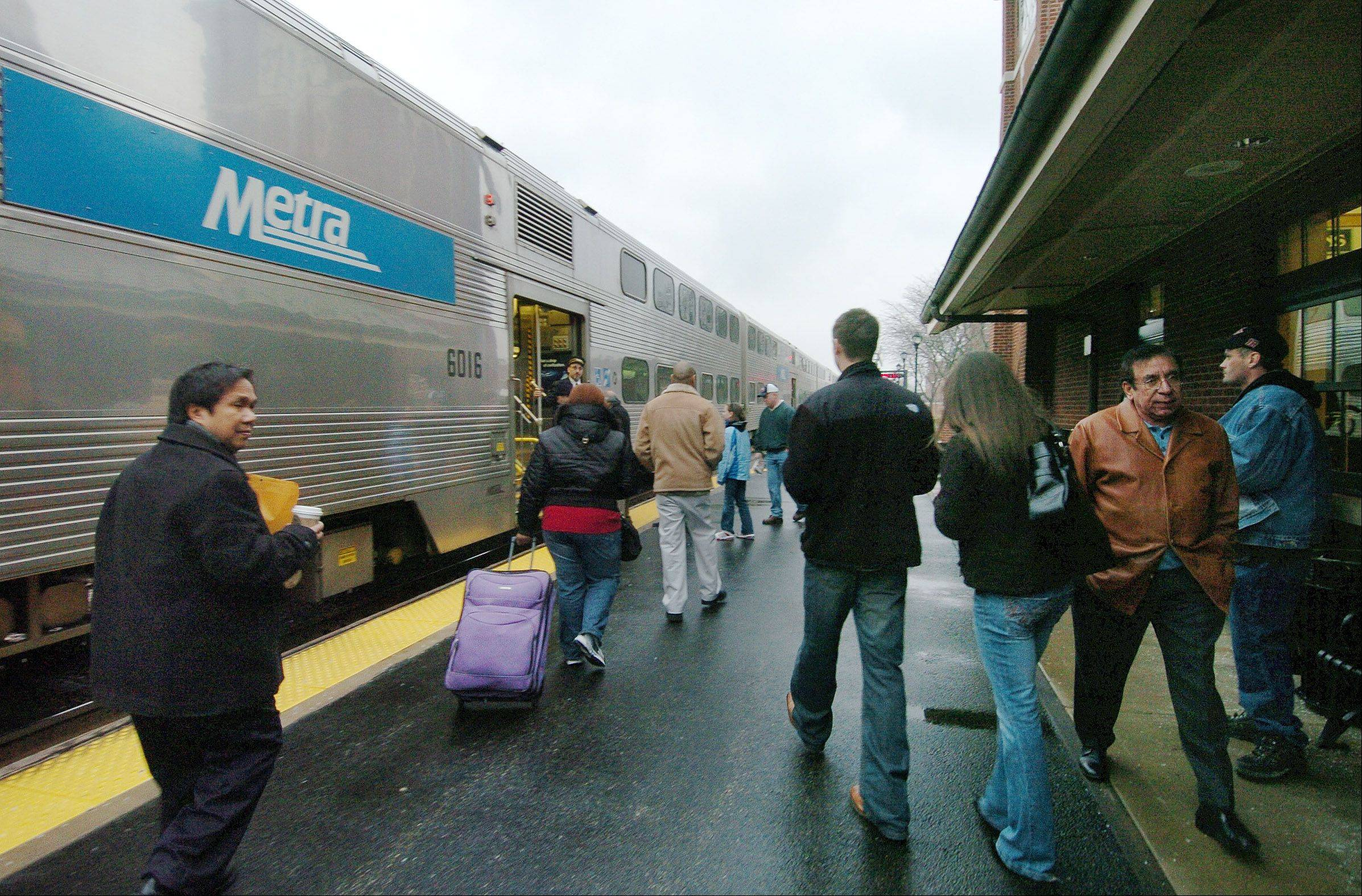 Metra wants passengers to help with its fare-collection campaign.