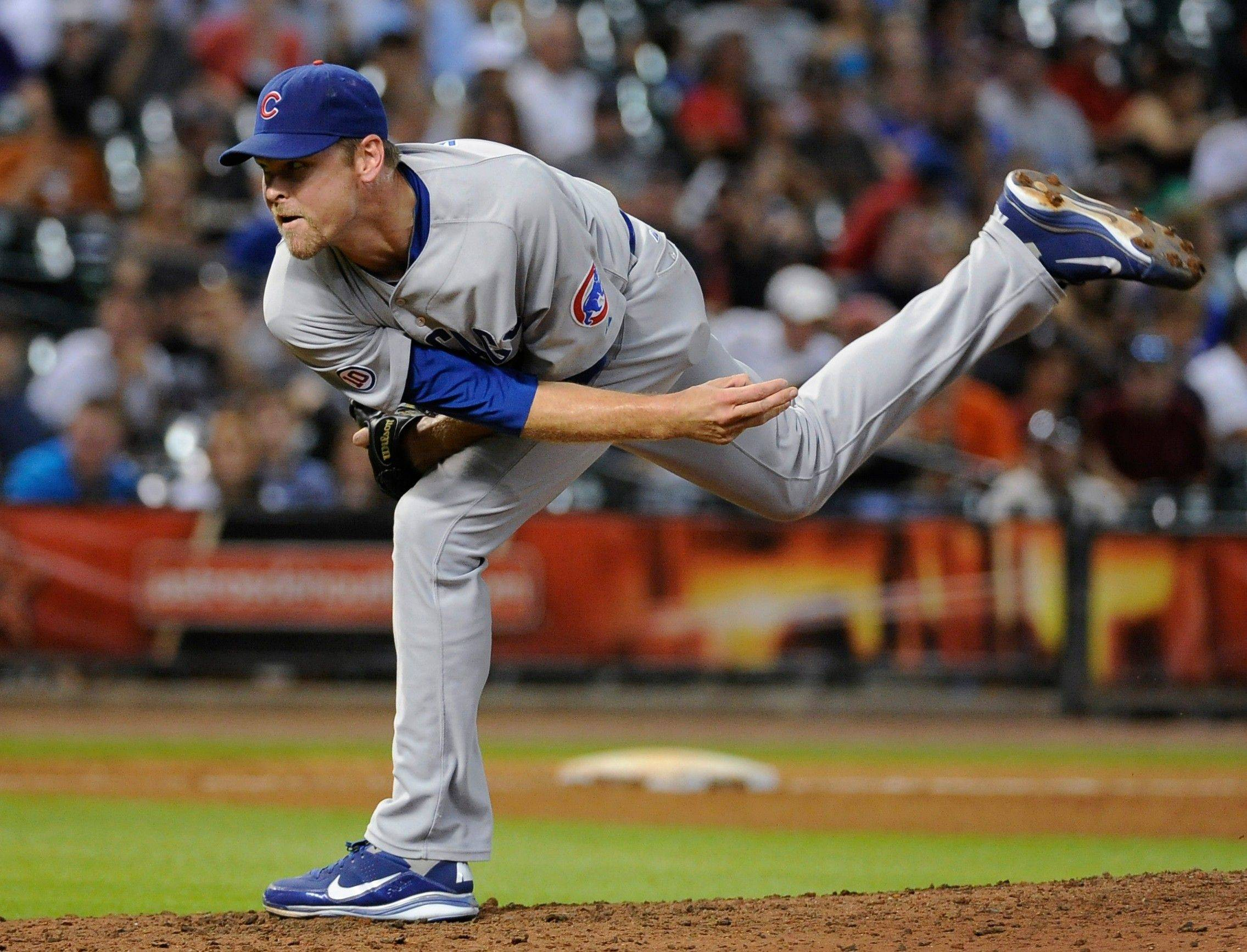 Cubs relief pitcher Kerry Wood has a tear in his left knee and will have arthroscopic surgery after the season.