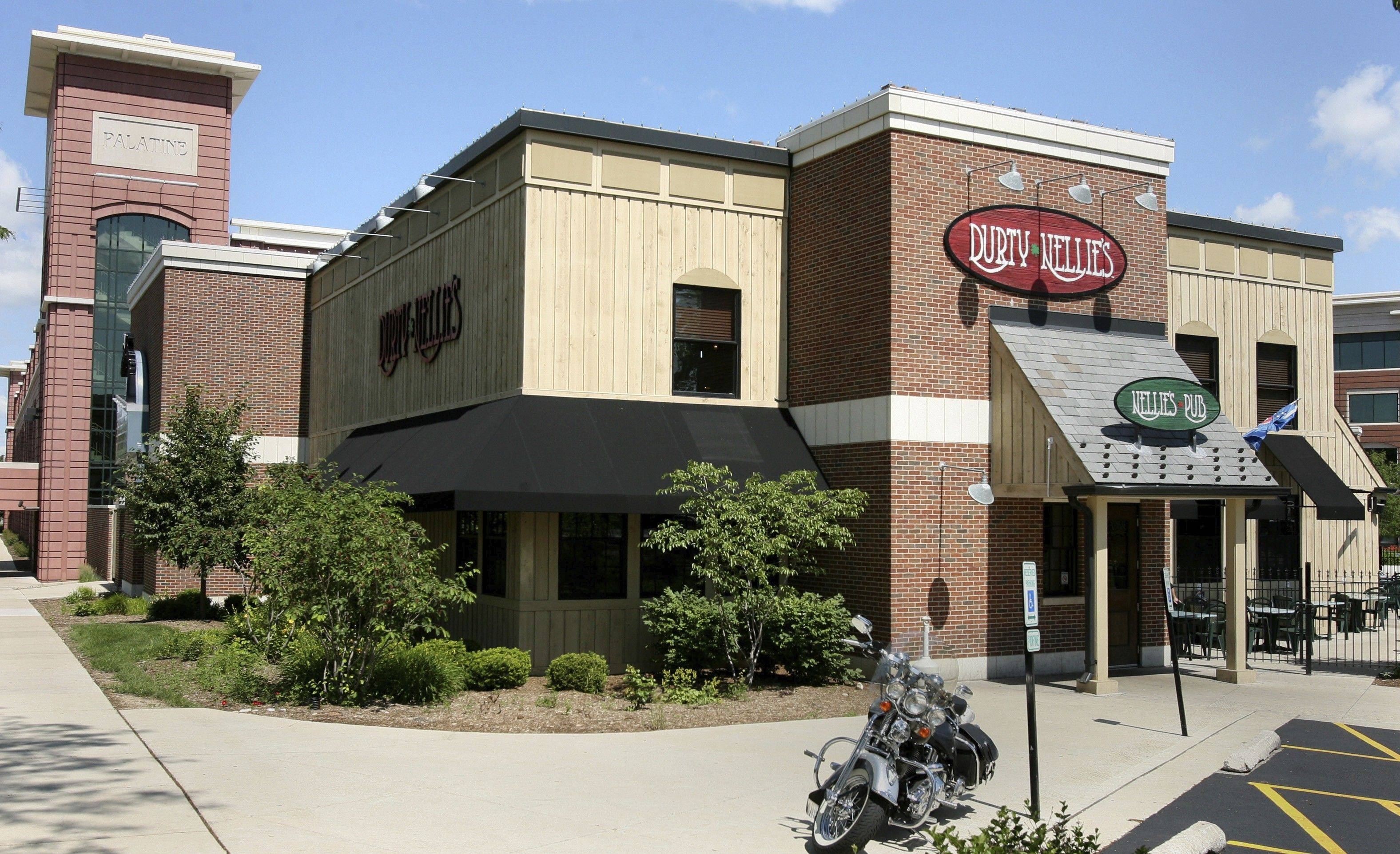 Durty Nellie's in downtown Palatine plans to expand into a neighboring vacant space to offer banquets and additional restaurant and bar seating.