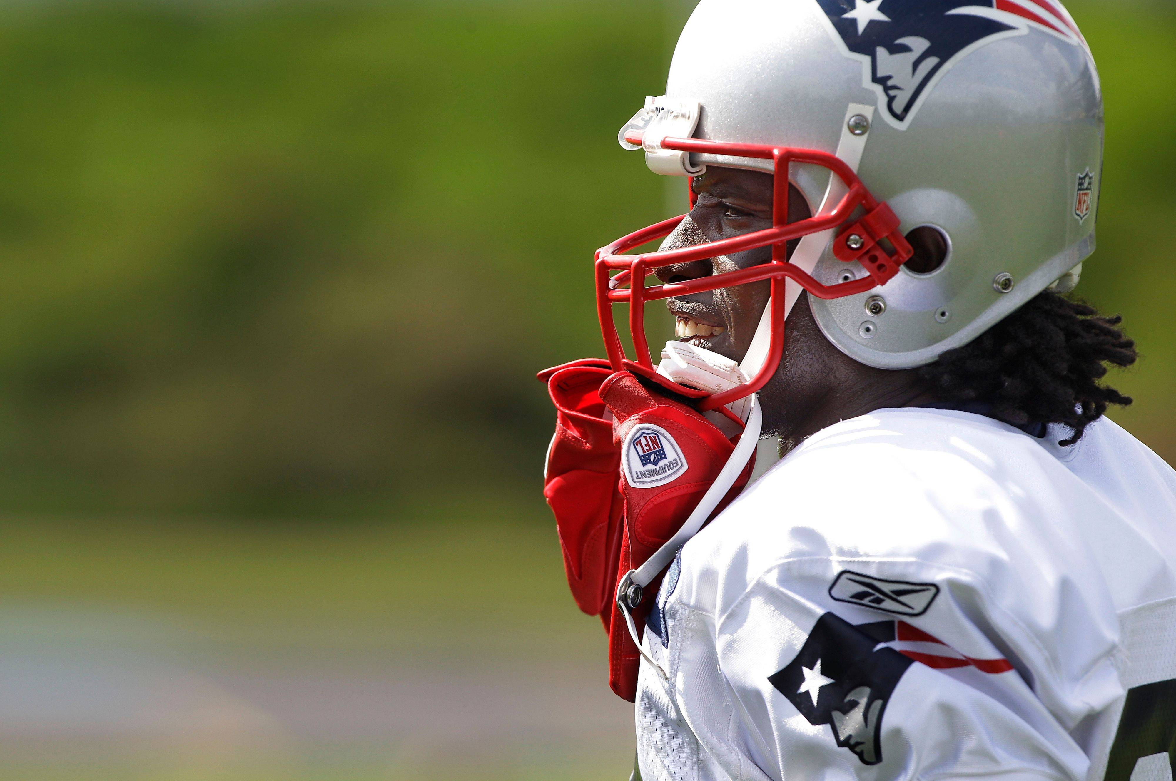 With quarterback Tom Brady on a roll, New England Patriots wide receiver Deion Branch, above, and his fellow receivers are racking up a lot of points for fantasy football owners. John Dietz expects Branch to have another good game this weekend.