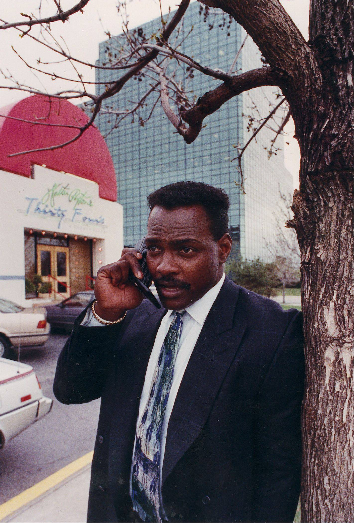 "Former teammate Tom Thayer says Bears legend Walter Payton, shown here outside his Thirty Four's restaurant in Schaumburg, was the ""most gracious"" superstar he ever saw off the field."