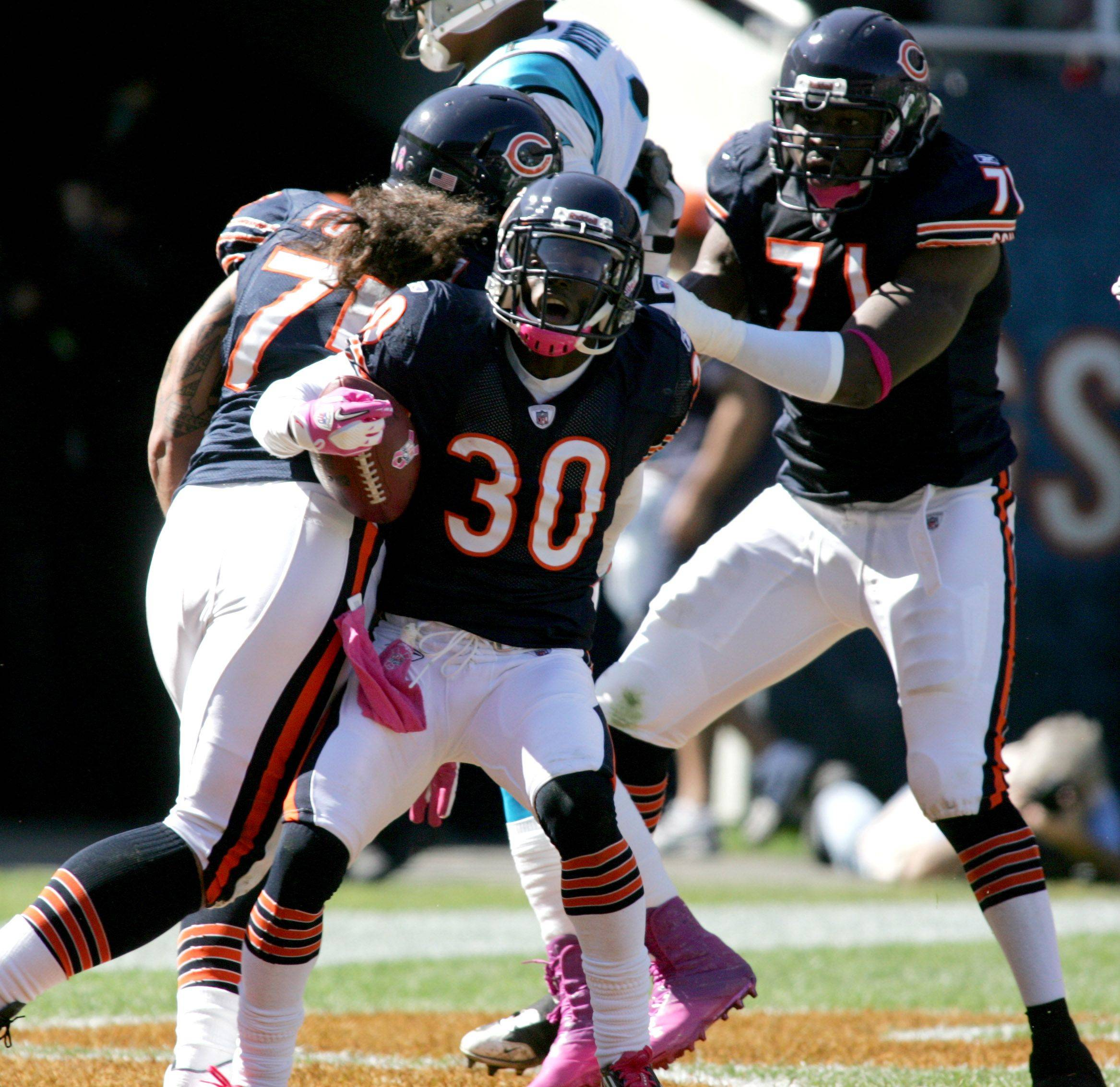 D.J. Moore of the Chicago Bears makes a touchdown in the first quarter against the Carolina Panthers at Soldier Field on Sunday.