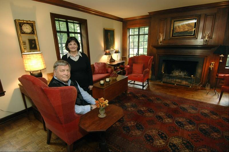 Lagrange Couple Blends Early American And Modern Pieces To