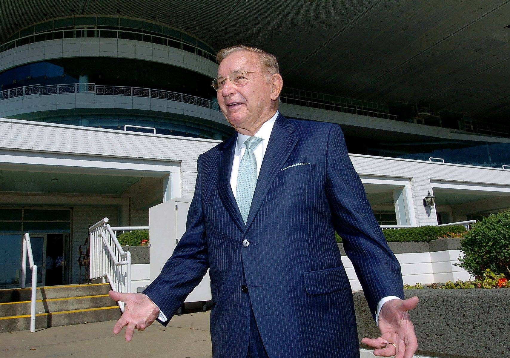 Arlington Park owner Richard Duchossois regularly walks around the track and leaves pink notes for his employees -- who know they mean something isn't up to snuff.