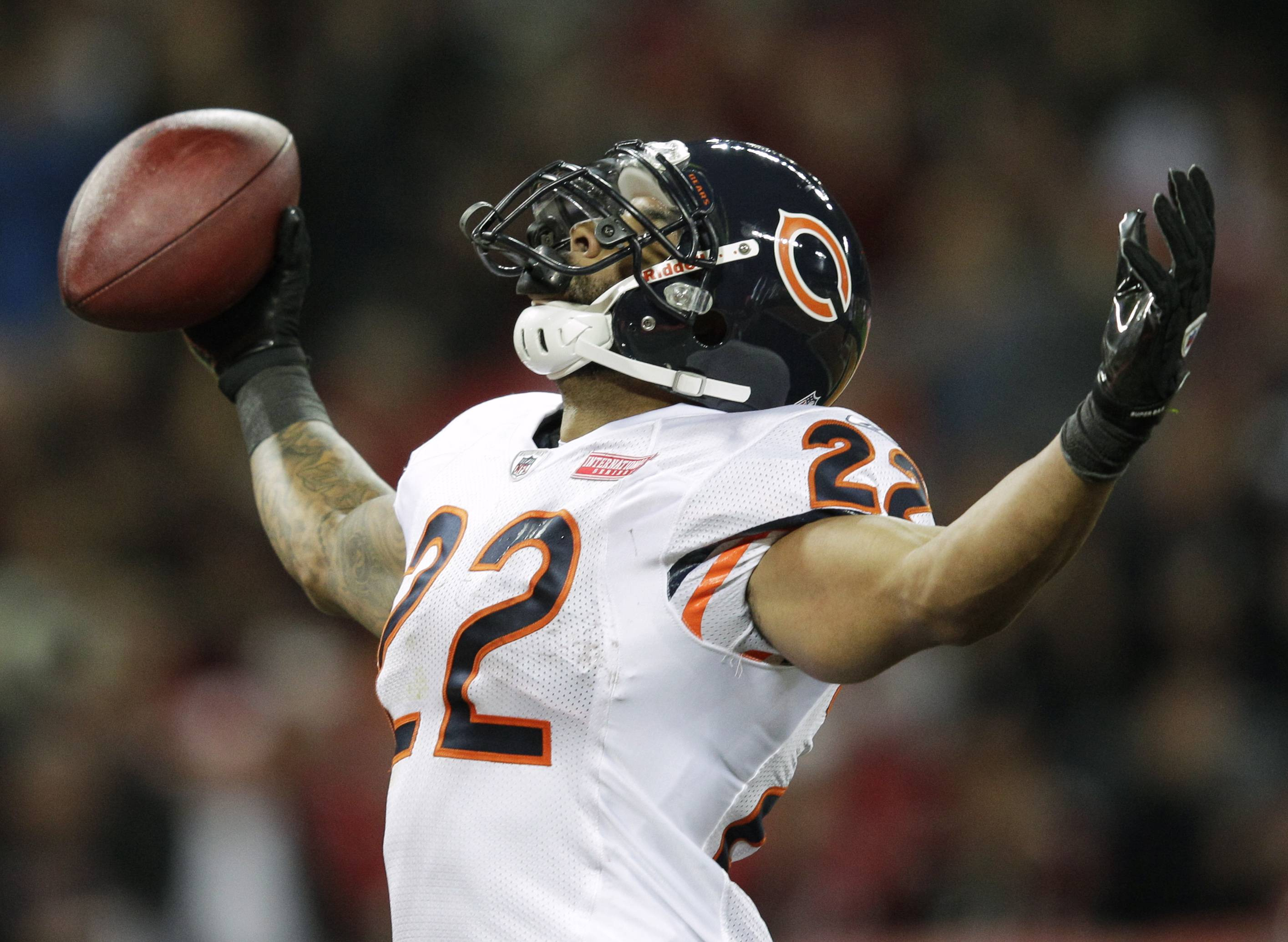 Matt Forte leads Bears to 24-18 win over Bucs