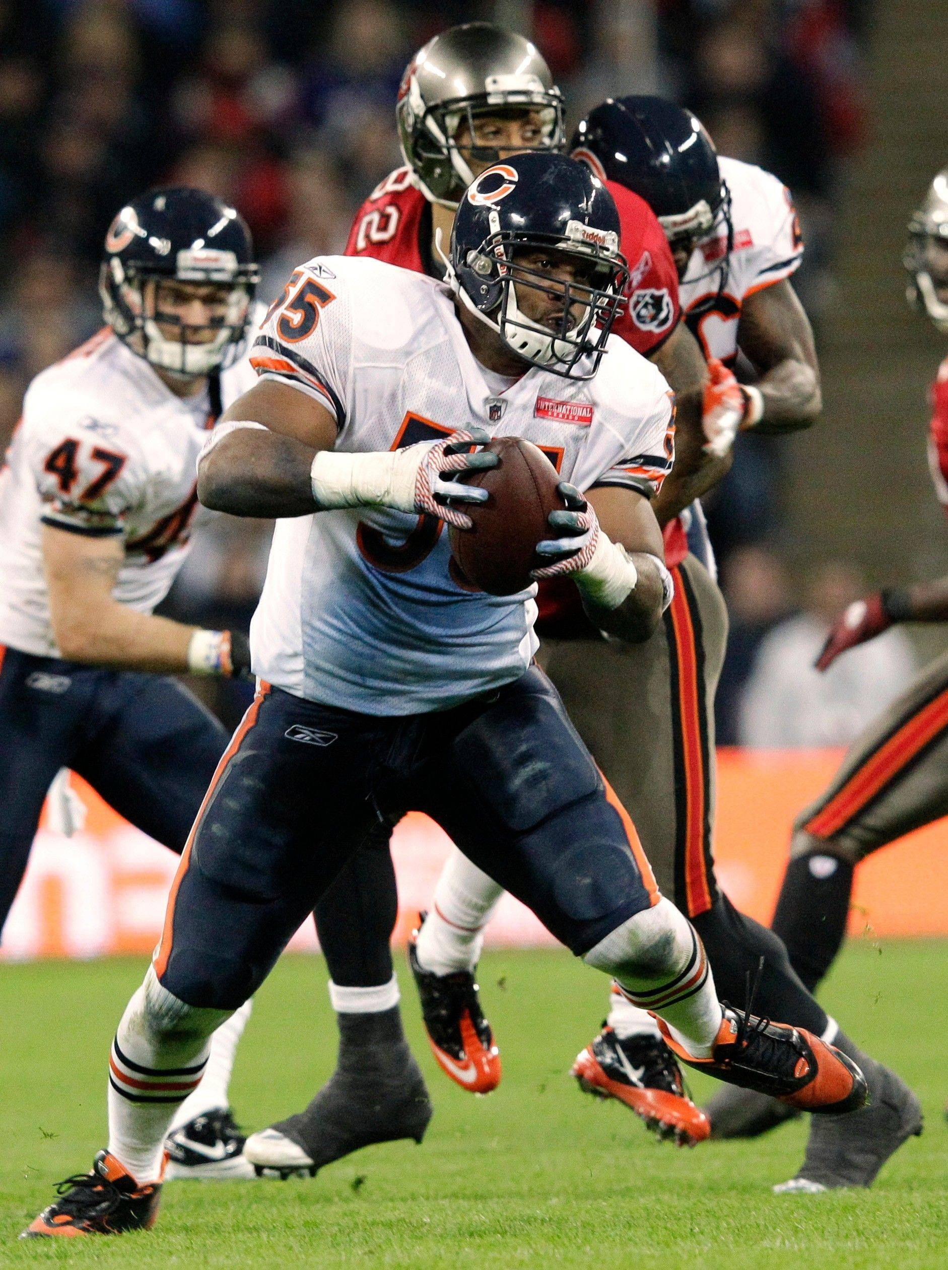 Bears pick off long-distance win over Bucs