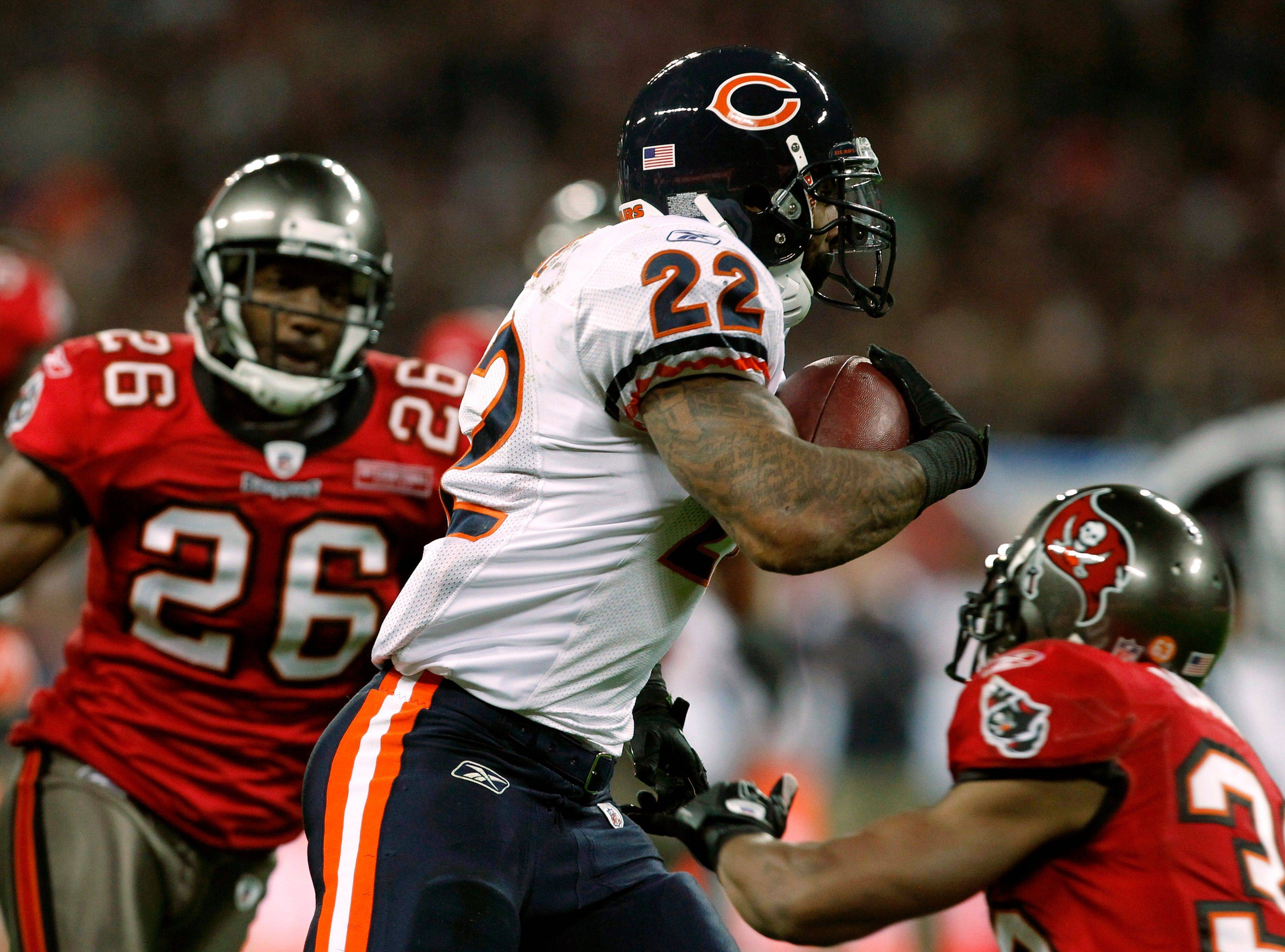 Chicago Bears running back Matt Forte breaks away for a 32-yard touchdown during the first half.